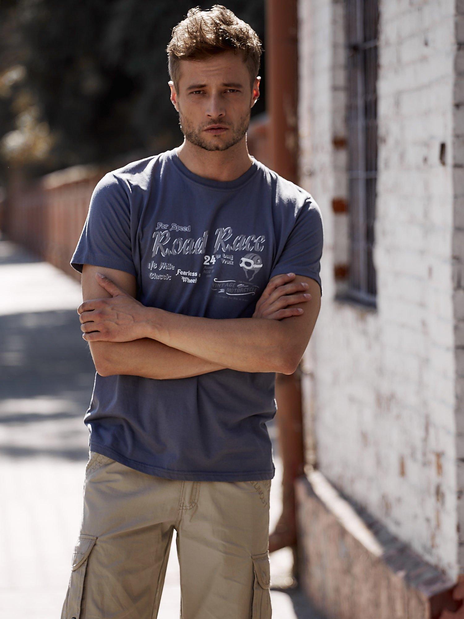 Ciemnoszary t-shirt męski z wyścigowym napisem ROAD RACE                                  zdj.                                  1