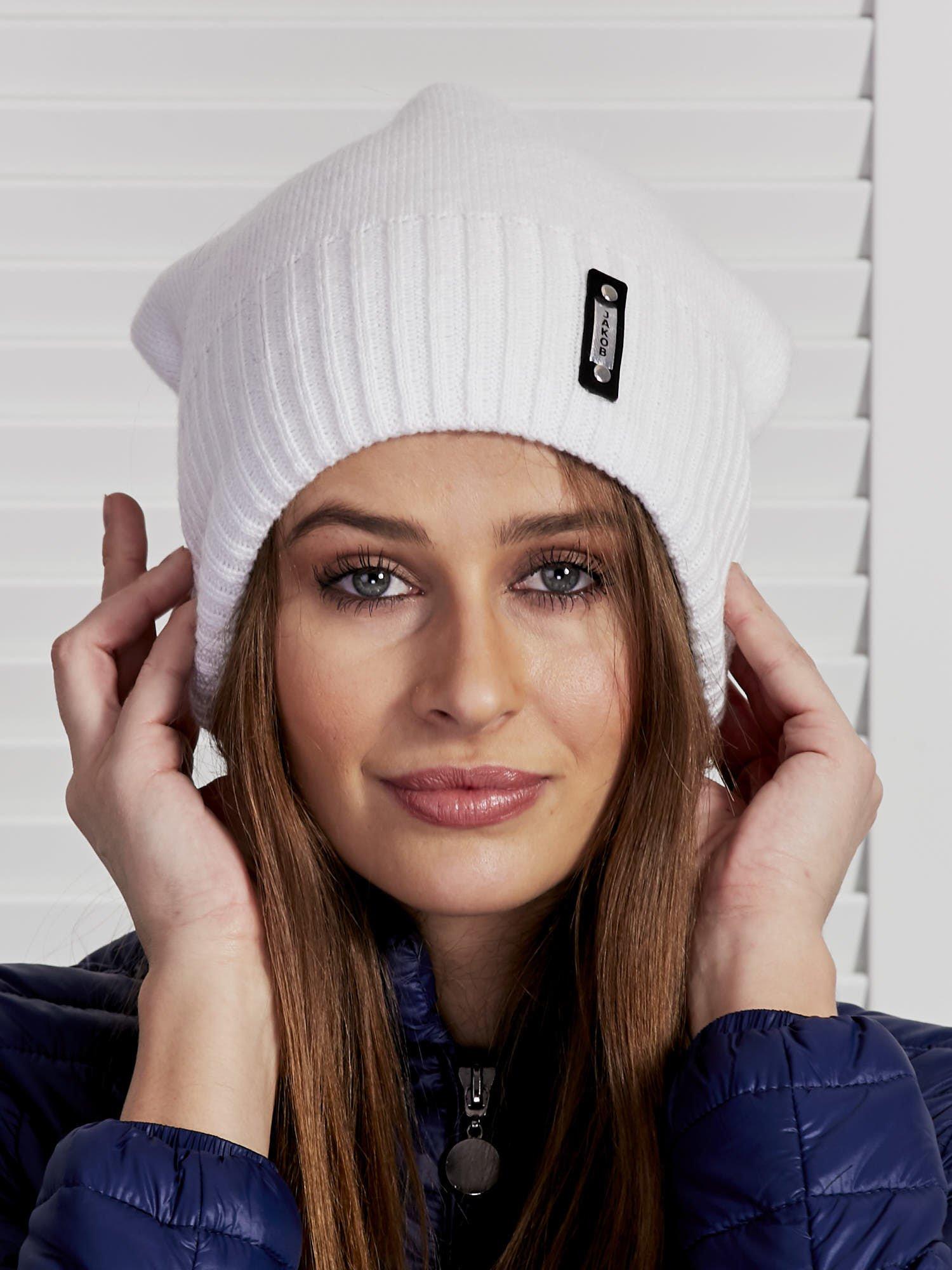 a27fa2954 Czapka damska smerfetka z pomponem biała - Akcesoria czapka zimowa - sklep  eButik.pl