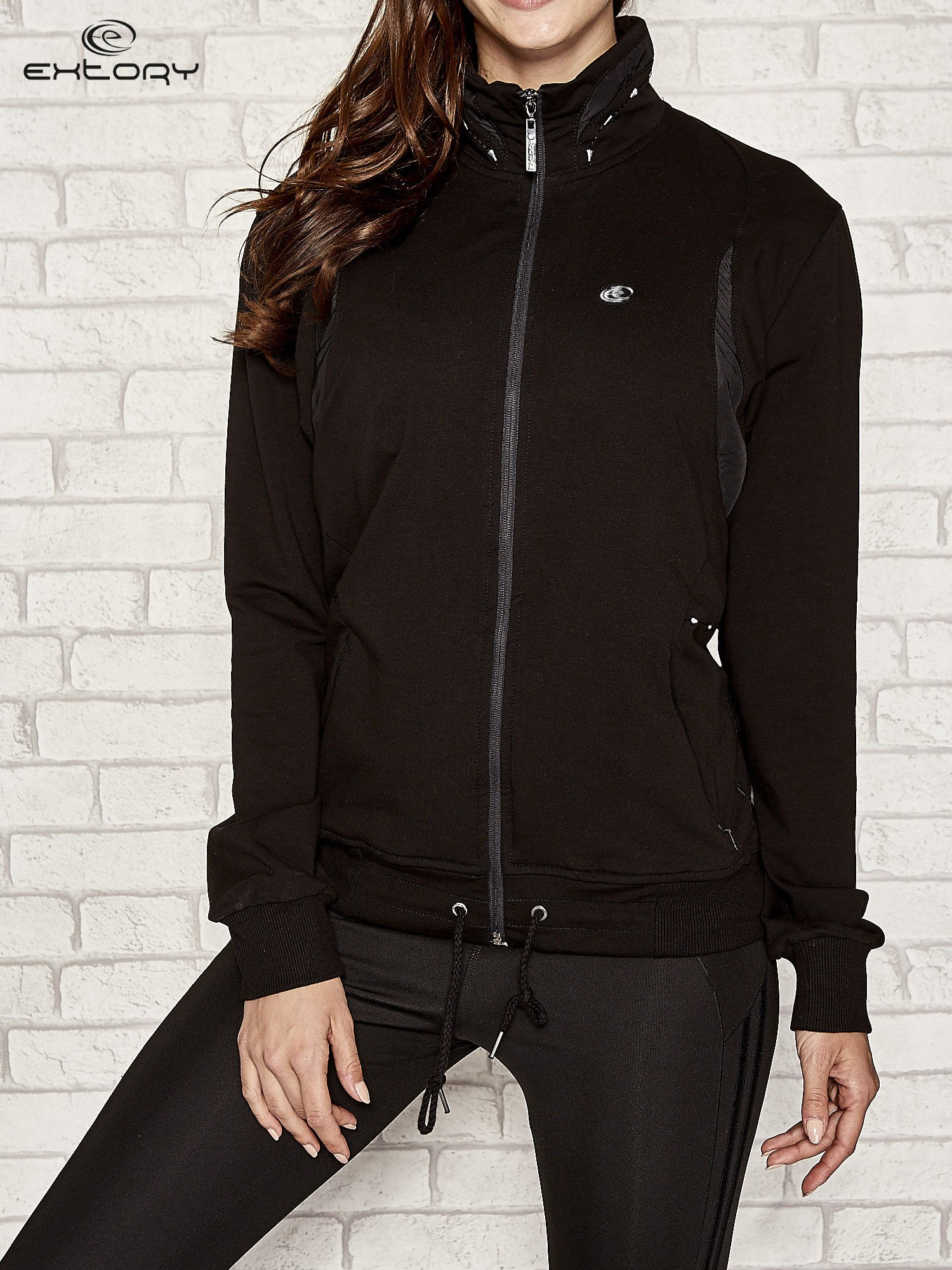Czarna bluza sportowa fitness ze wstawkami                                  zdj.                                  1