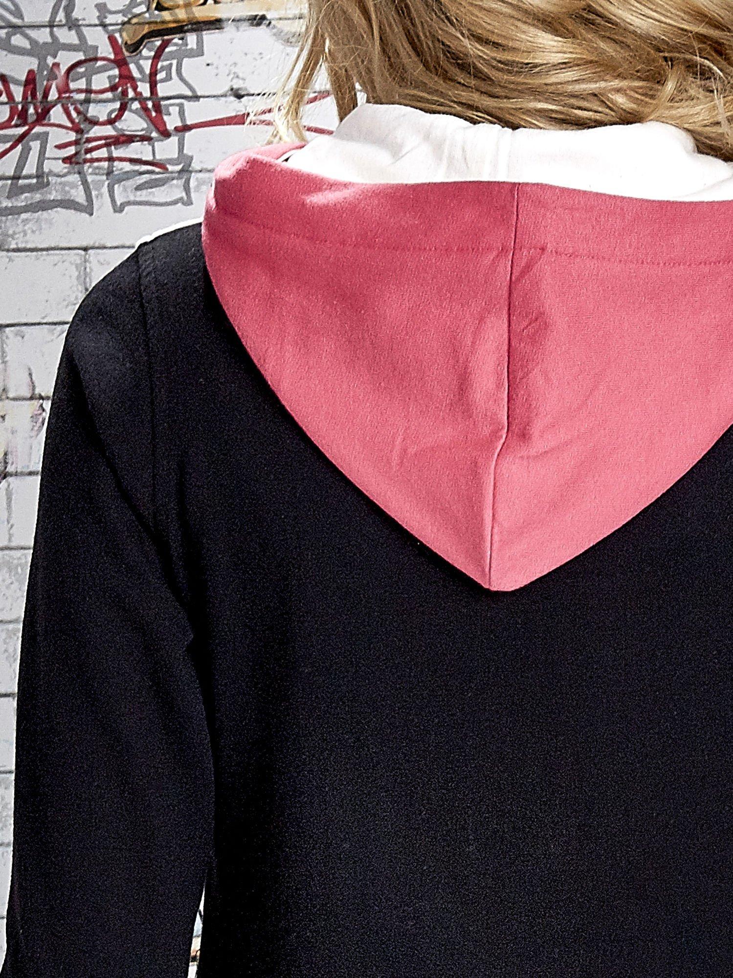 Czarna bluza z kolorowymi wstawkami                                  zdj.                                  8