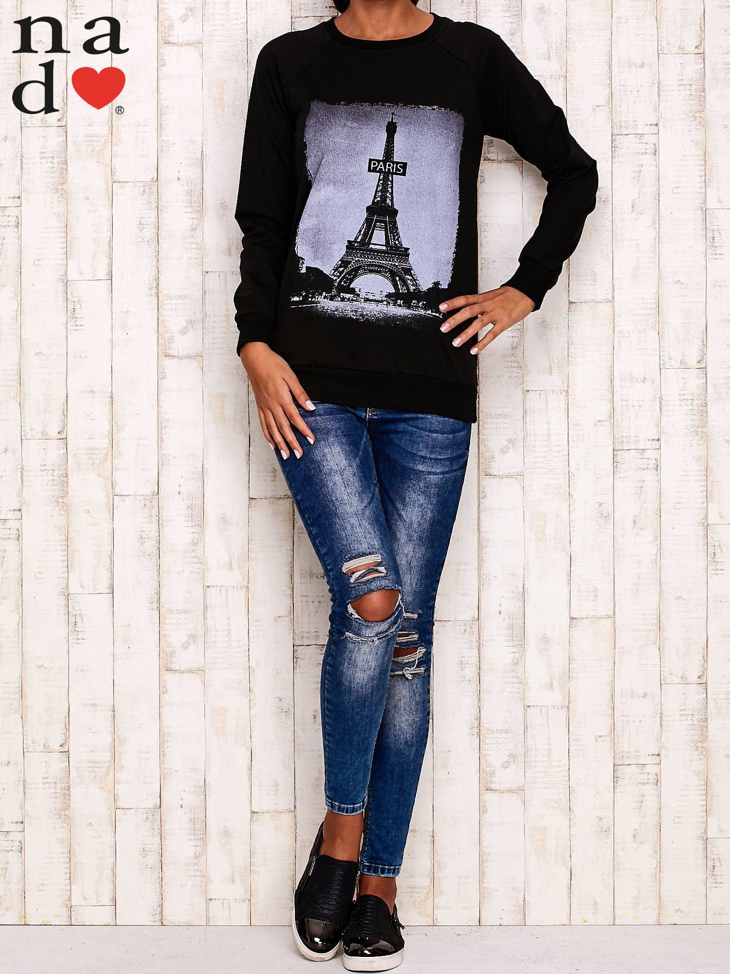 Czarna bluza z motywem Wieży Eiffla                                  zdj.                                  3