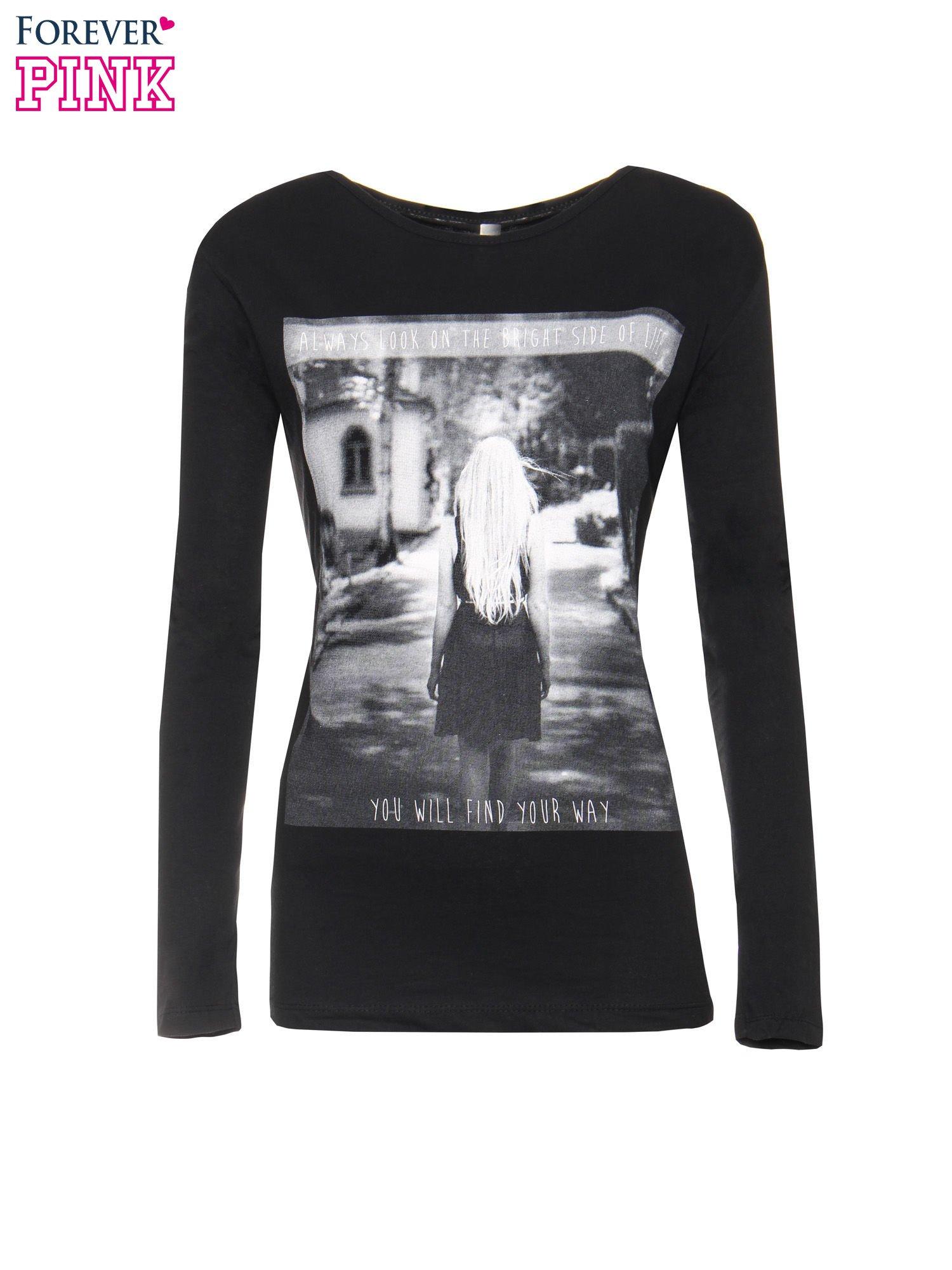 Czarna bluzka z fotografią dziewczyny                                  zdj.                                  5