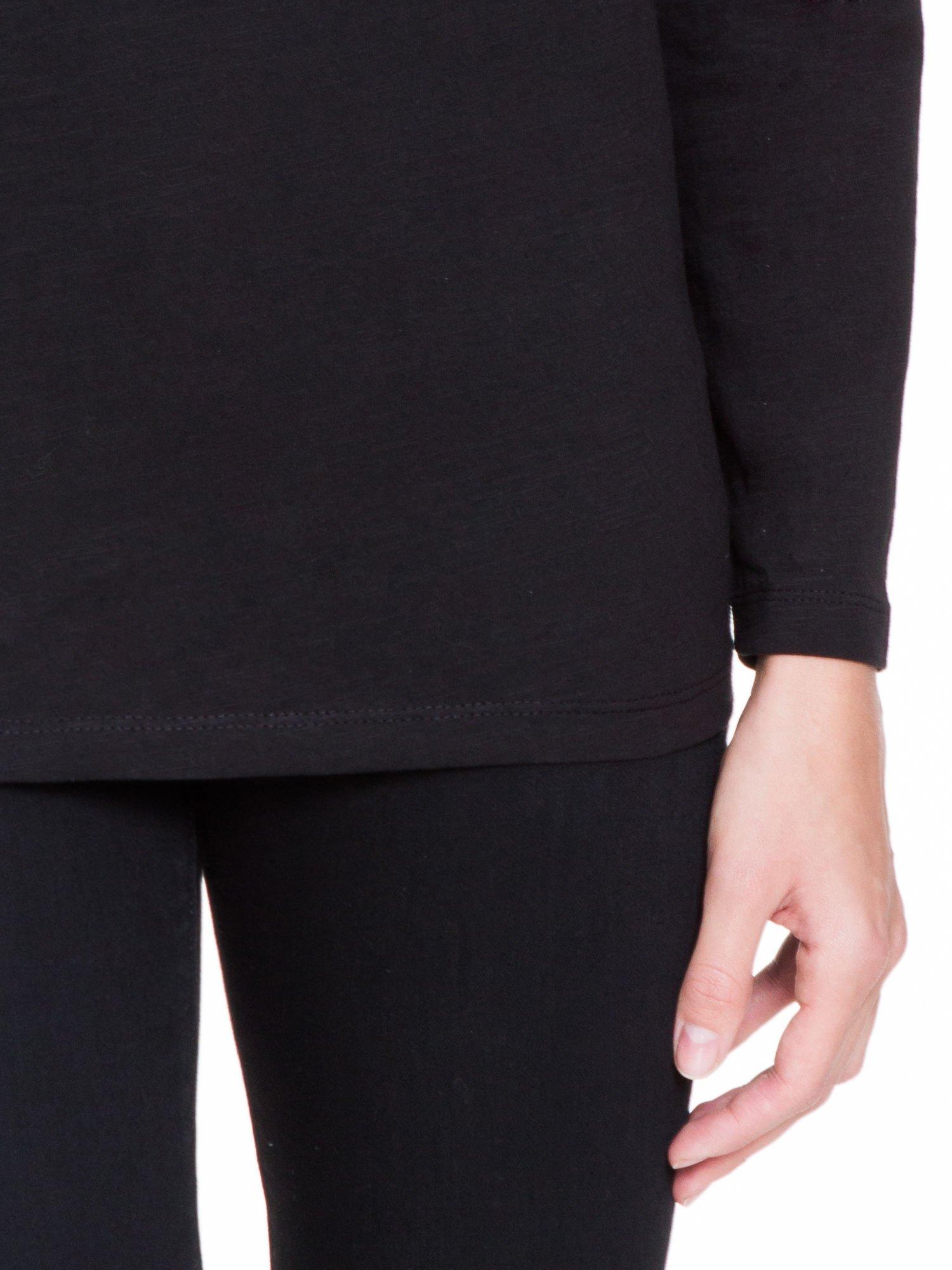 Czarna bluzka z wiązanym oczkiem z tyłu                                  zdj.                                  6