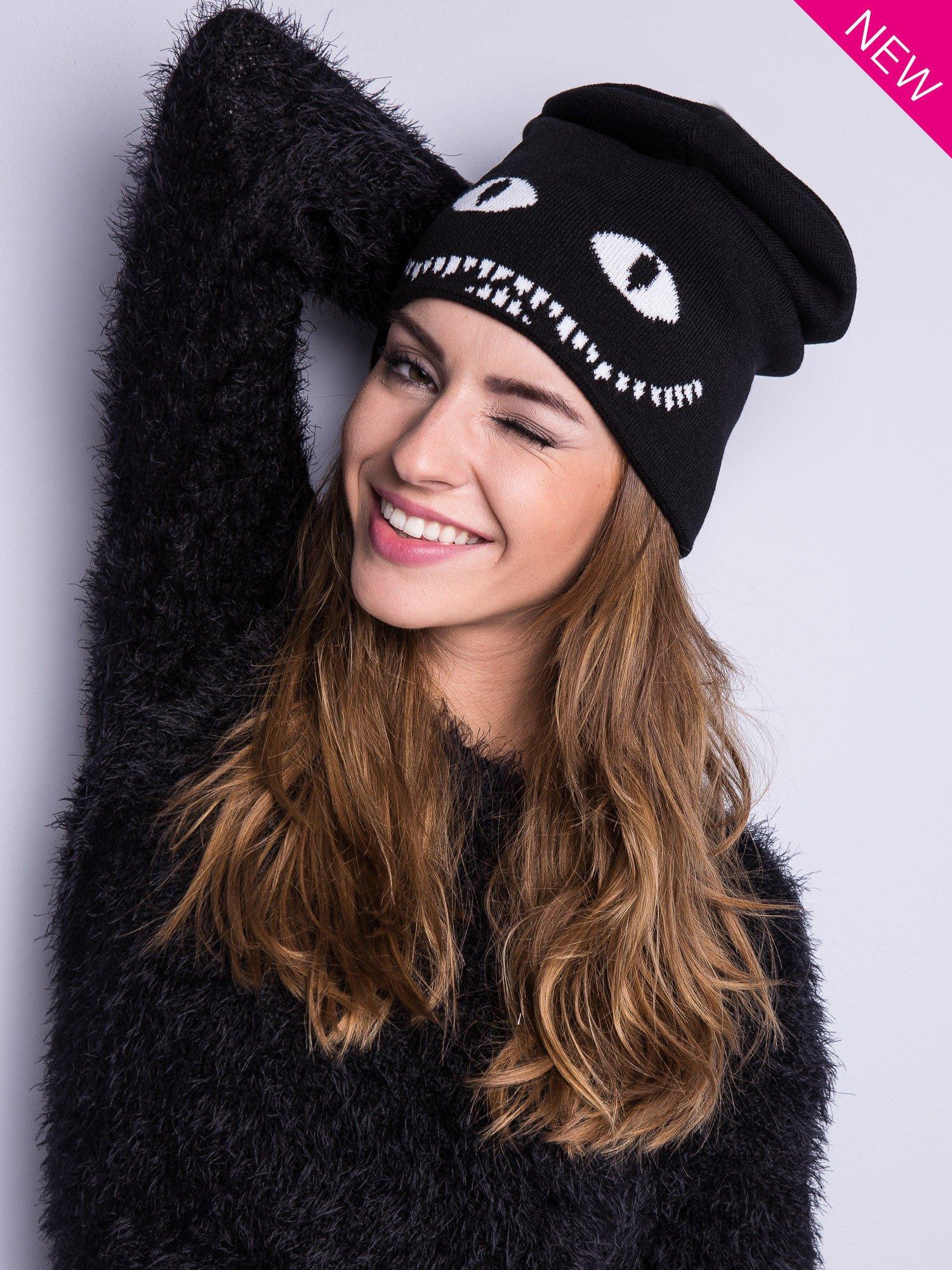 Czarna czapka beanie z oczami i z uśmiechem                                  zdj.                                  1