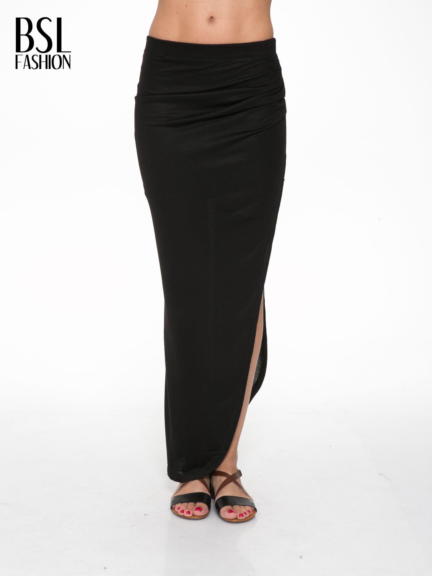 Czarna długa spódnica maxi z rozporkiem z boku                                  zdj.                                  1