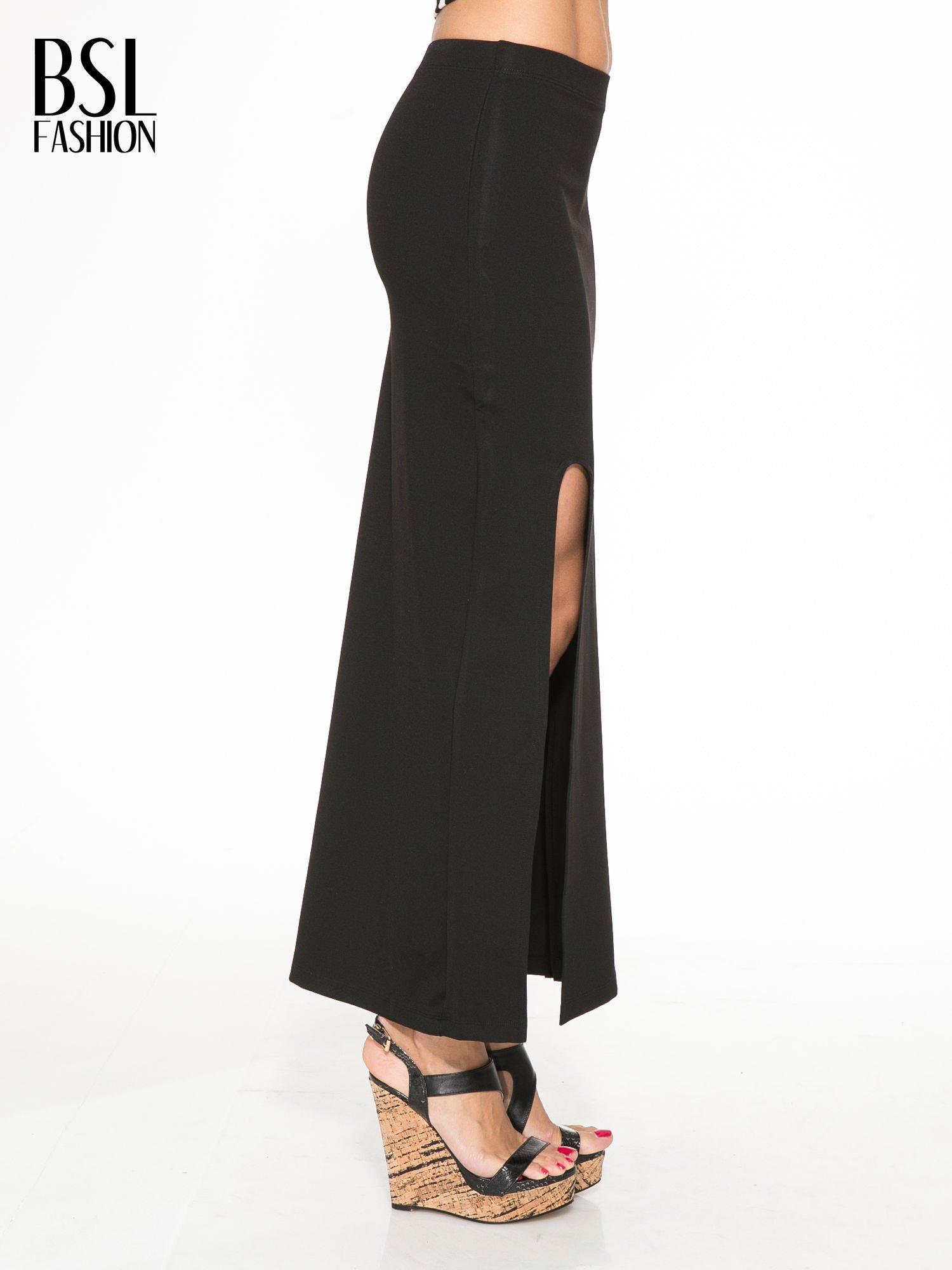 Czarna długa spódnica z rozporkami z przodu                                  zdj.                                  3