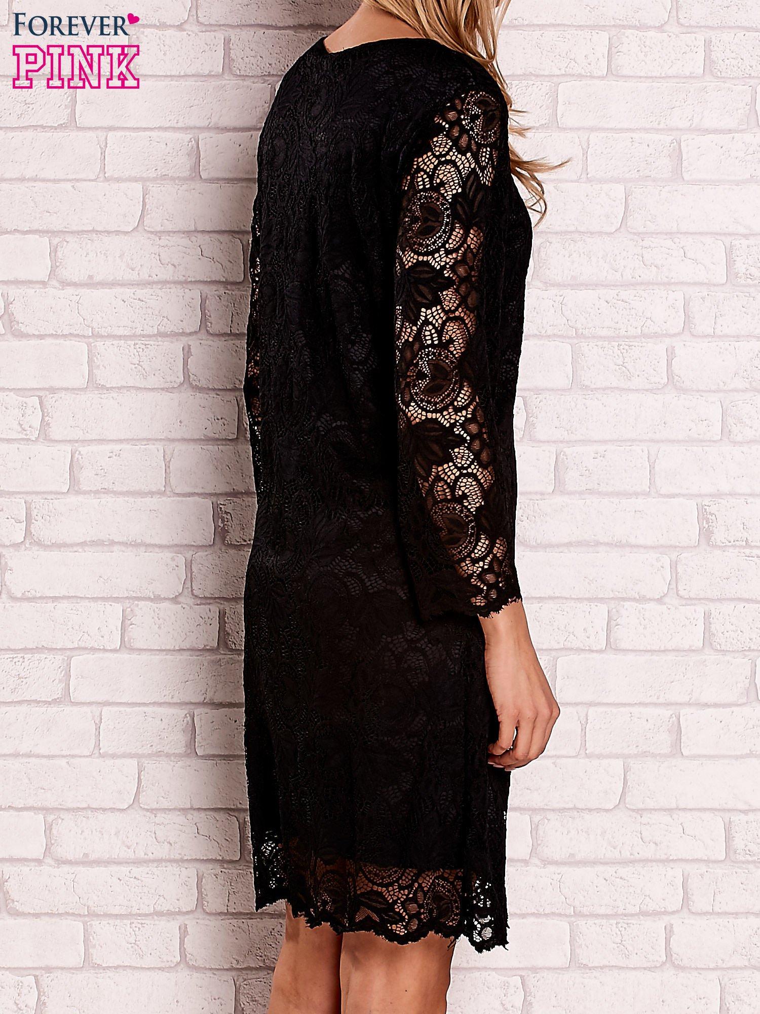 Czarna koronkowa sukienka z wiązaniem                                  zdj.                                  4