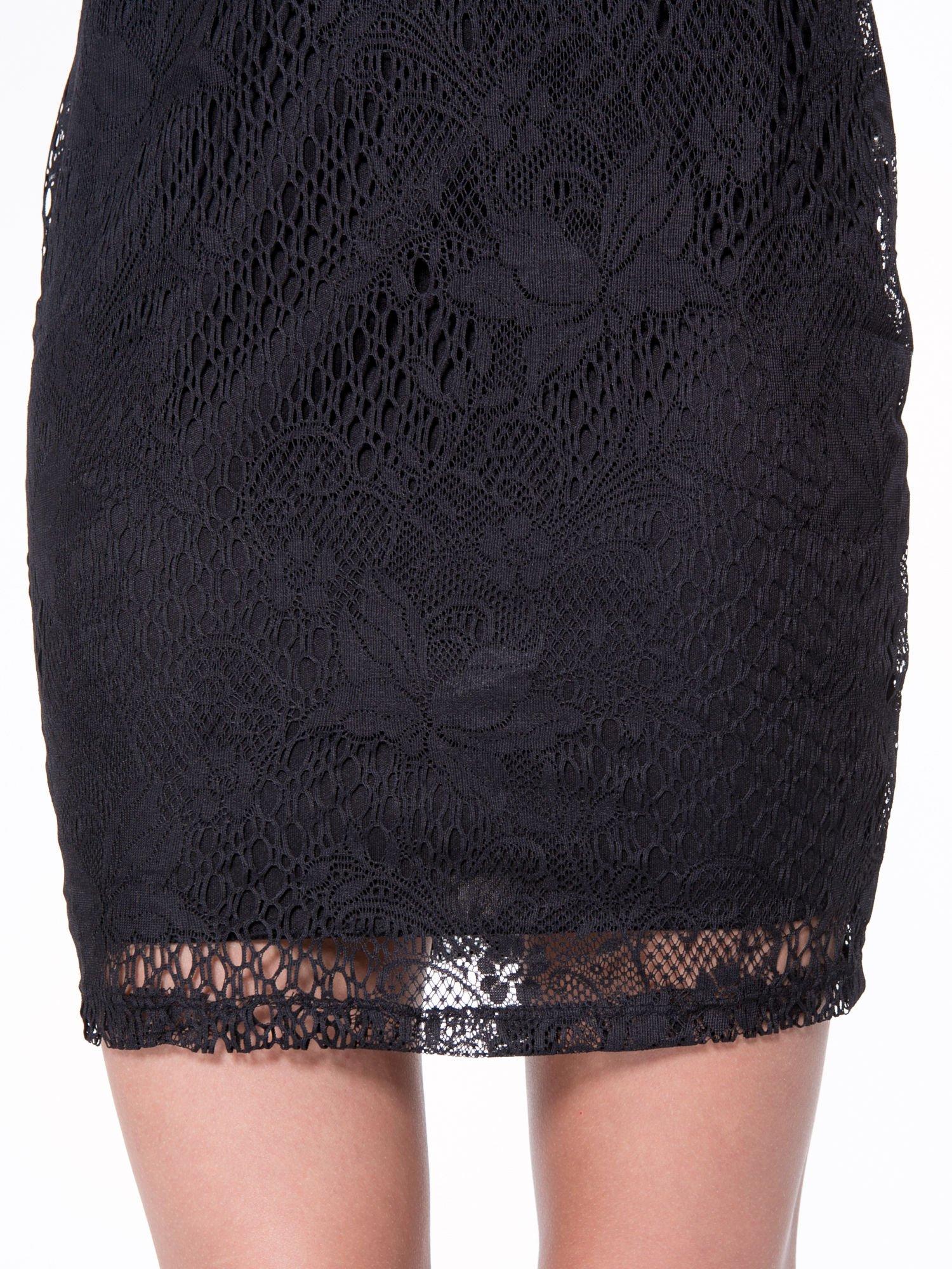 Czarna koronkowa sukienka z wycięciem na plecach                                  zdj.                                  7