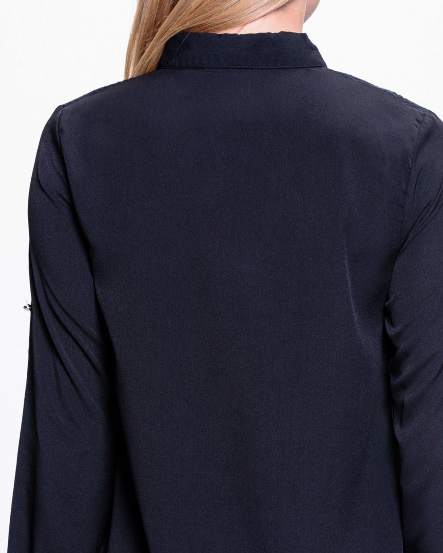 Czarna koszula z koronkową wstawką przy ramionach                                  zdj.                                  5