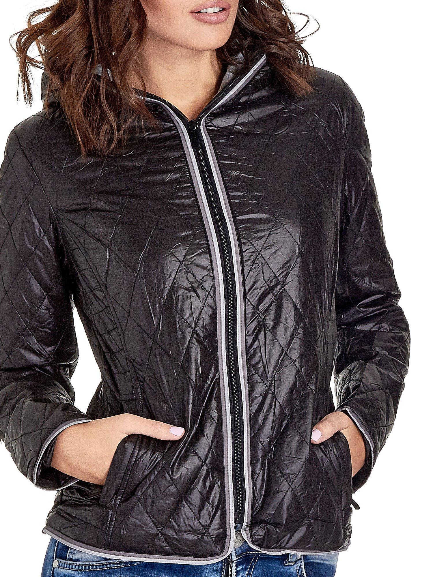 Czarna pikowana kurtka typu husky                                  zdj.                                  6