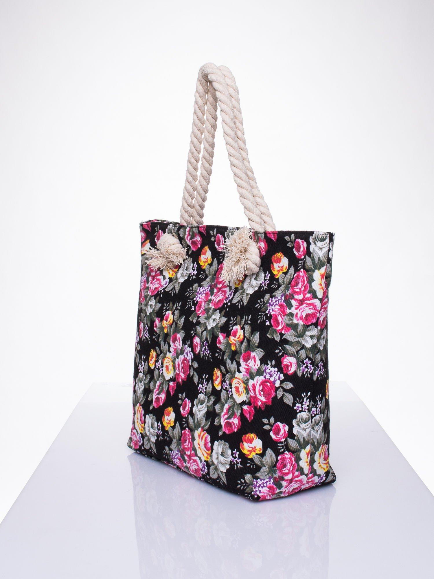 Czarna plażowa torba w kwiaty na sznurku                                  zdj.                                  2