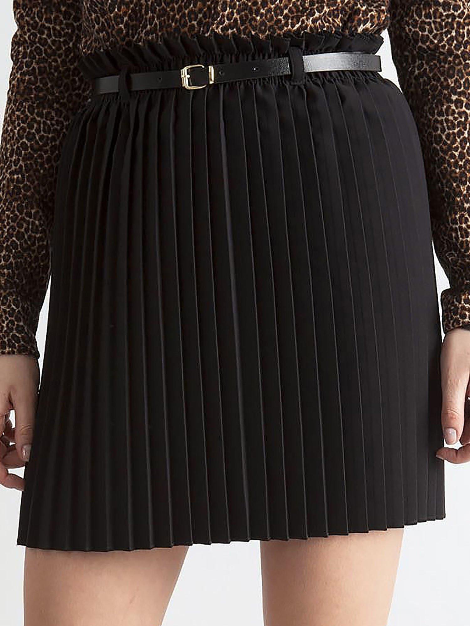 49f2385d Czarna plisowana spódnica z paskiem - Spódnica plisowana - sklep ...