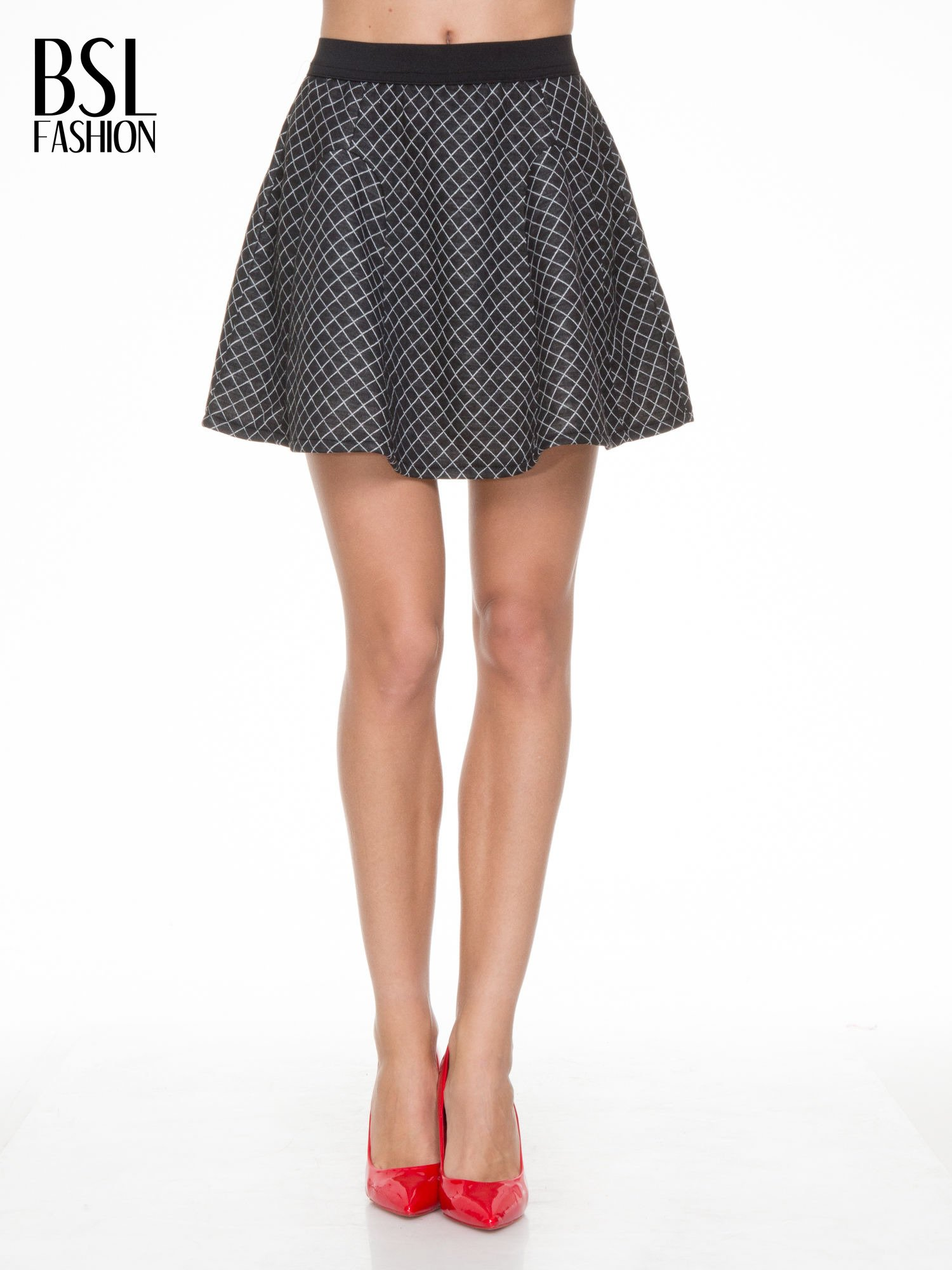 fa99e67b Czarna rozkloszowana mini spódniczka w kratkę