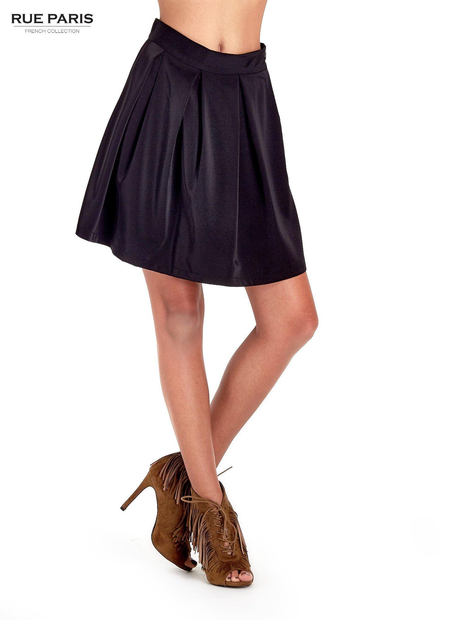 Czarna rozkloszowana spódnica z kontrafałdami                                  zdj.                                  1