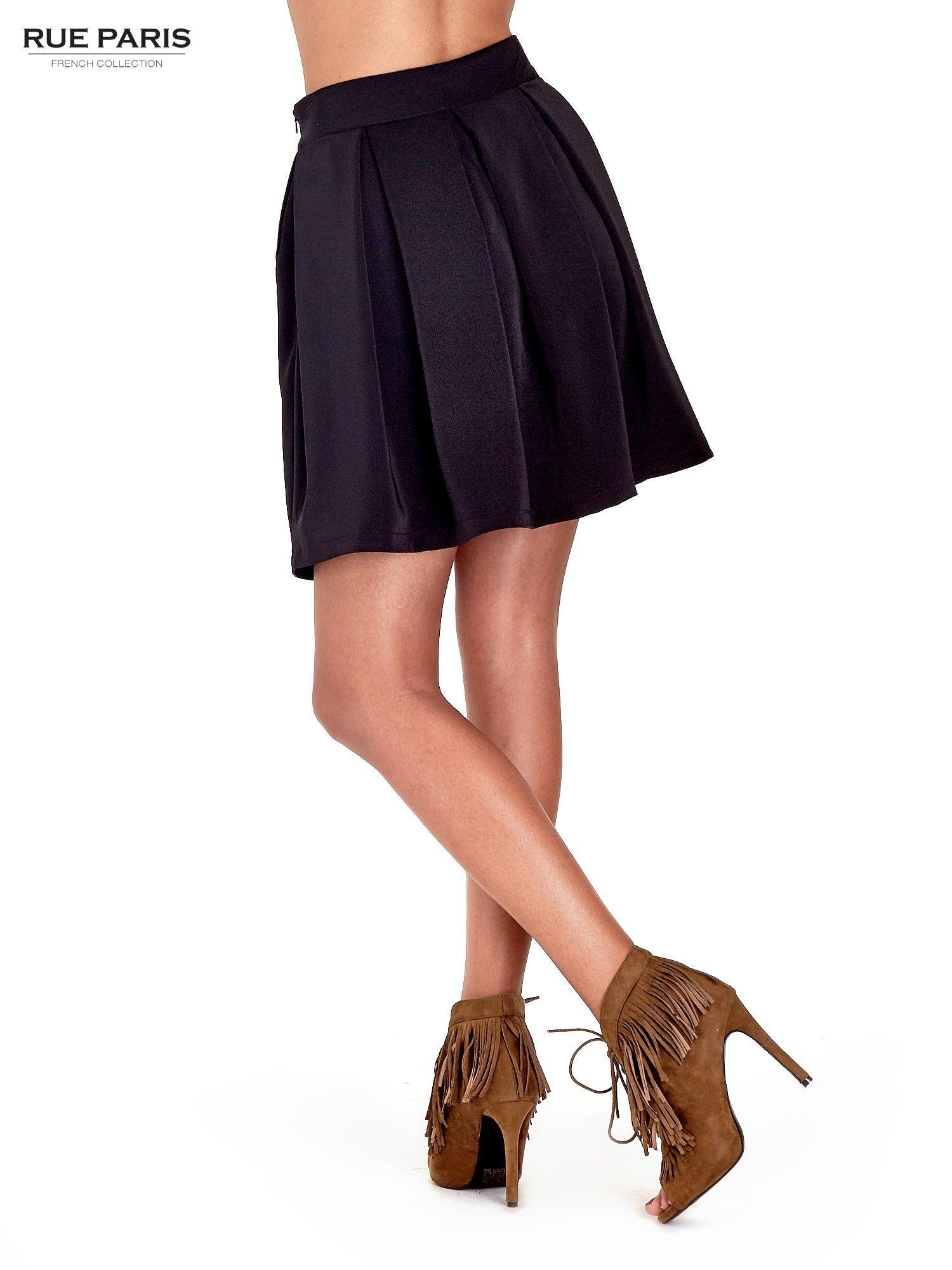 Czarna rozkloszowana spódnica z kontrafałdami                                  zdj.                                  4