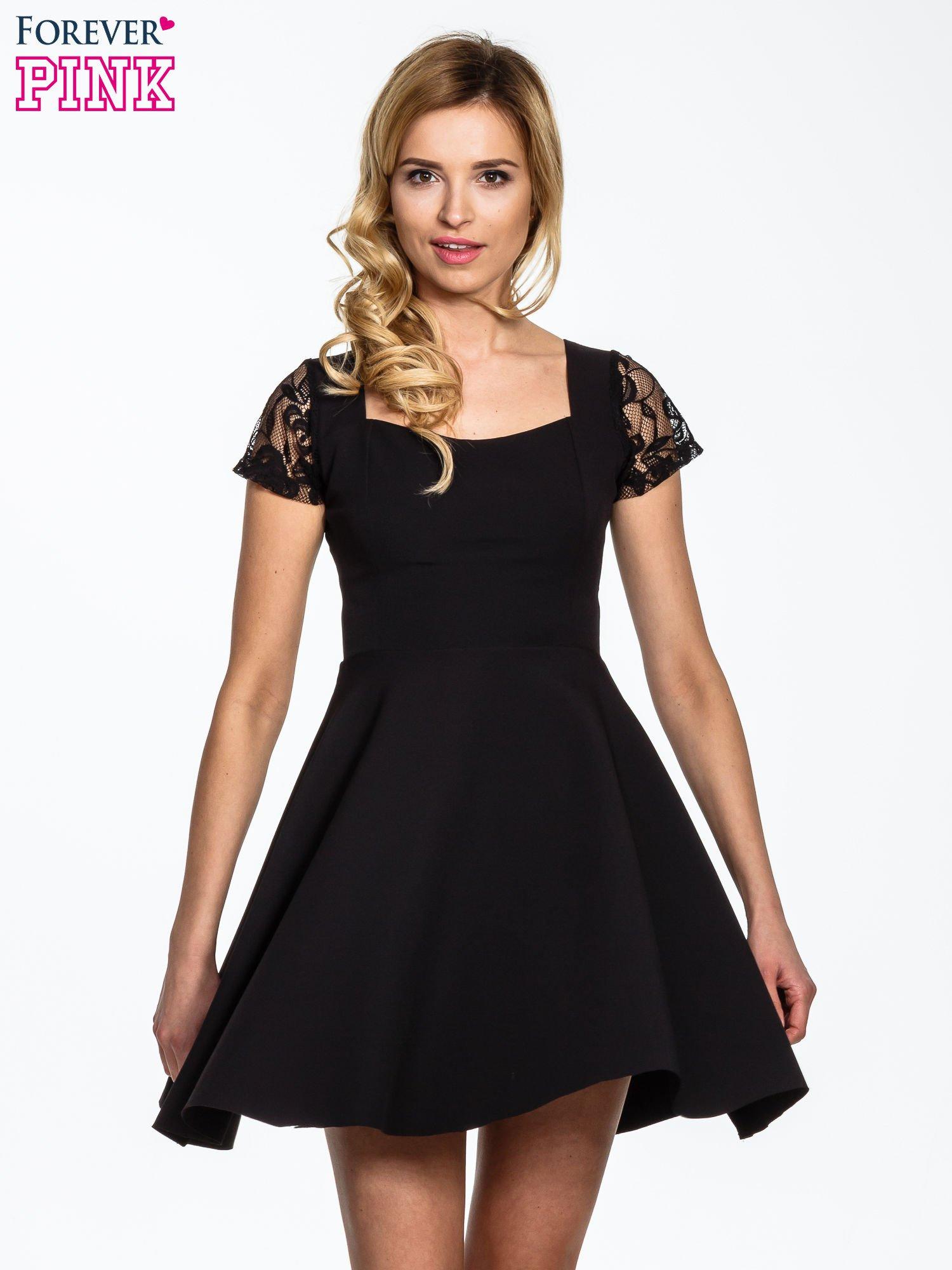 Czarna rozkloszowana sukienka z kwadratowym dekoltem                                  zdj.                                  5