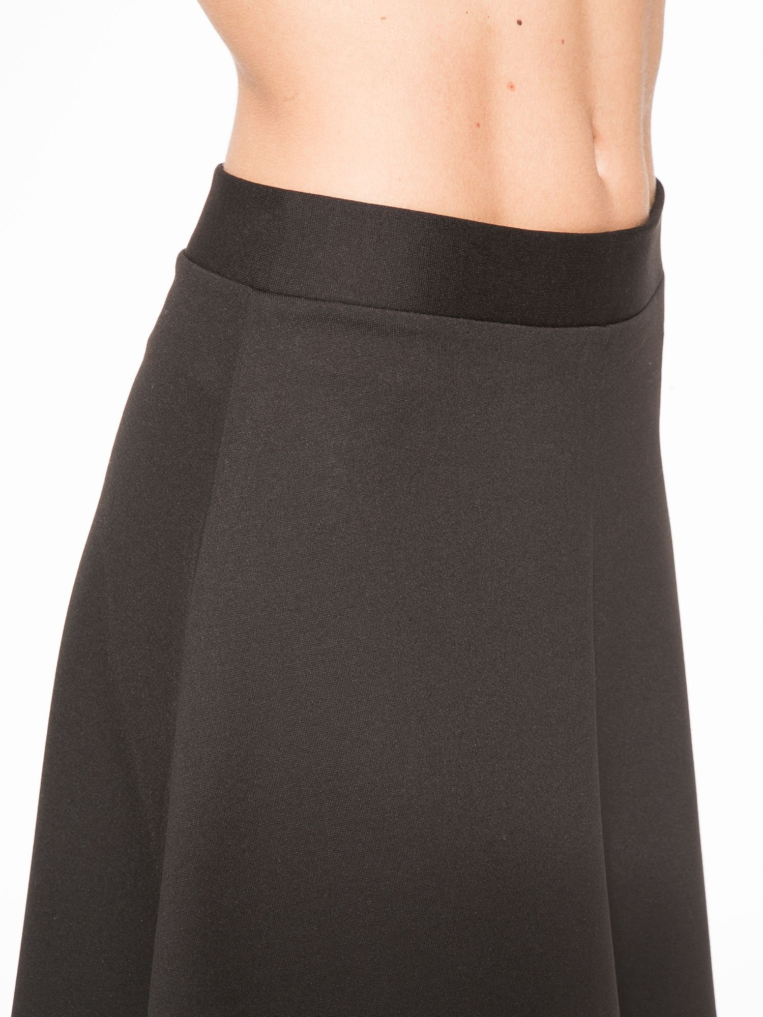 Czarna spódnica midi w kształcie litery A                                  zdj.                                  7