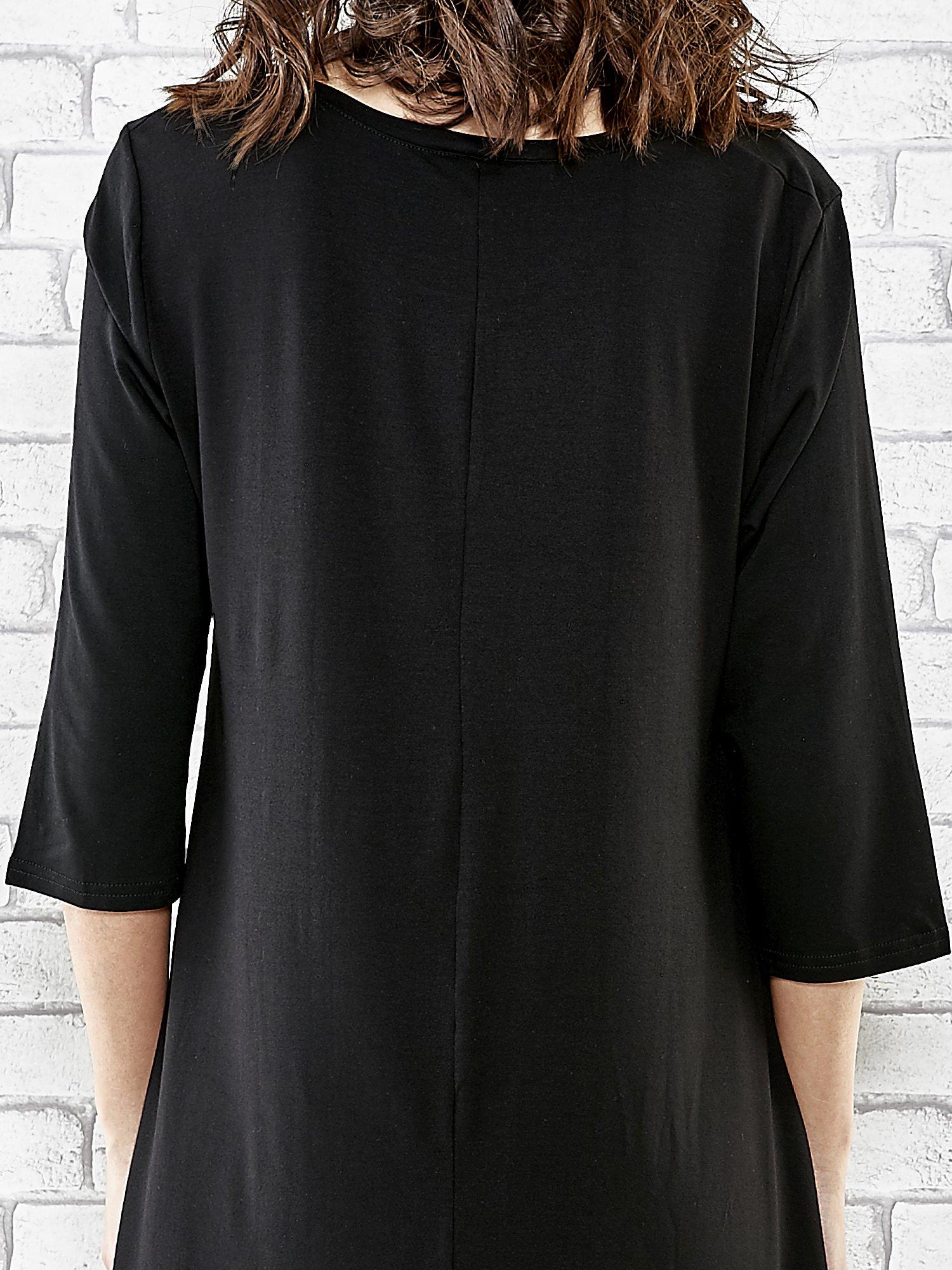 Czarna sukienka damska z nadrukiem kotów                                  zdj.                                  6