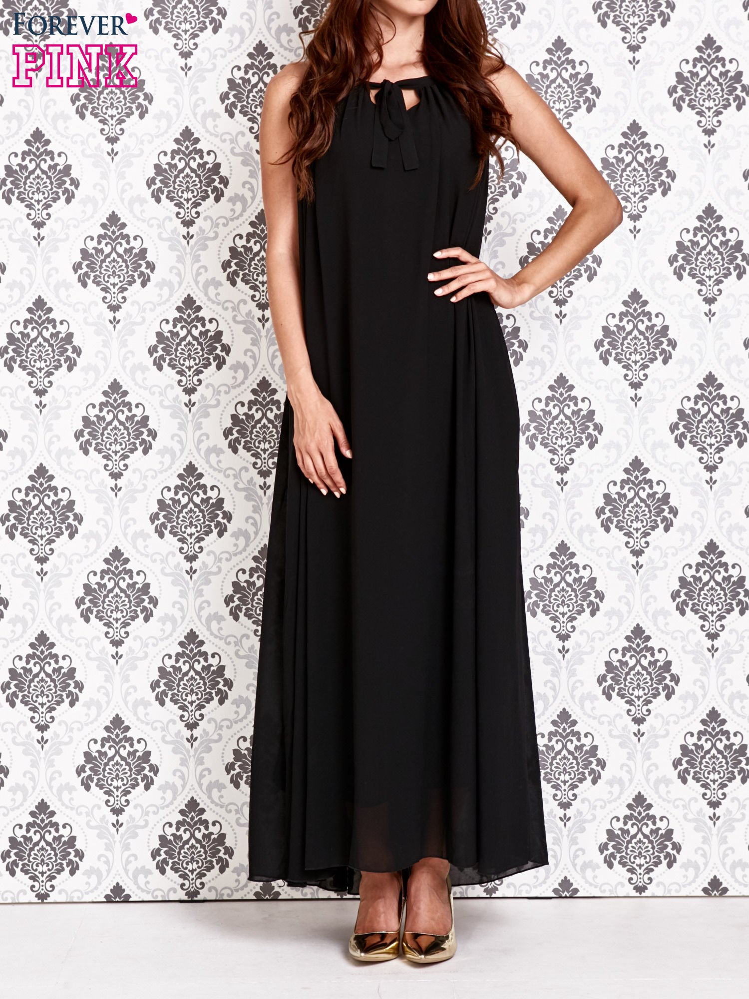 Czarna sukienka maxi z wiązaniem przy dekolcie                                  zdj.                                  1