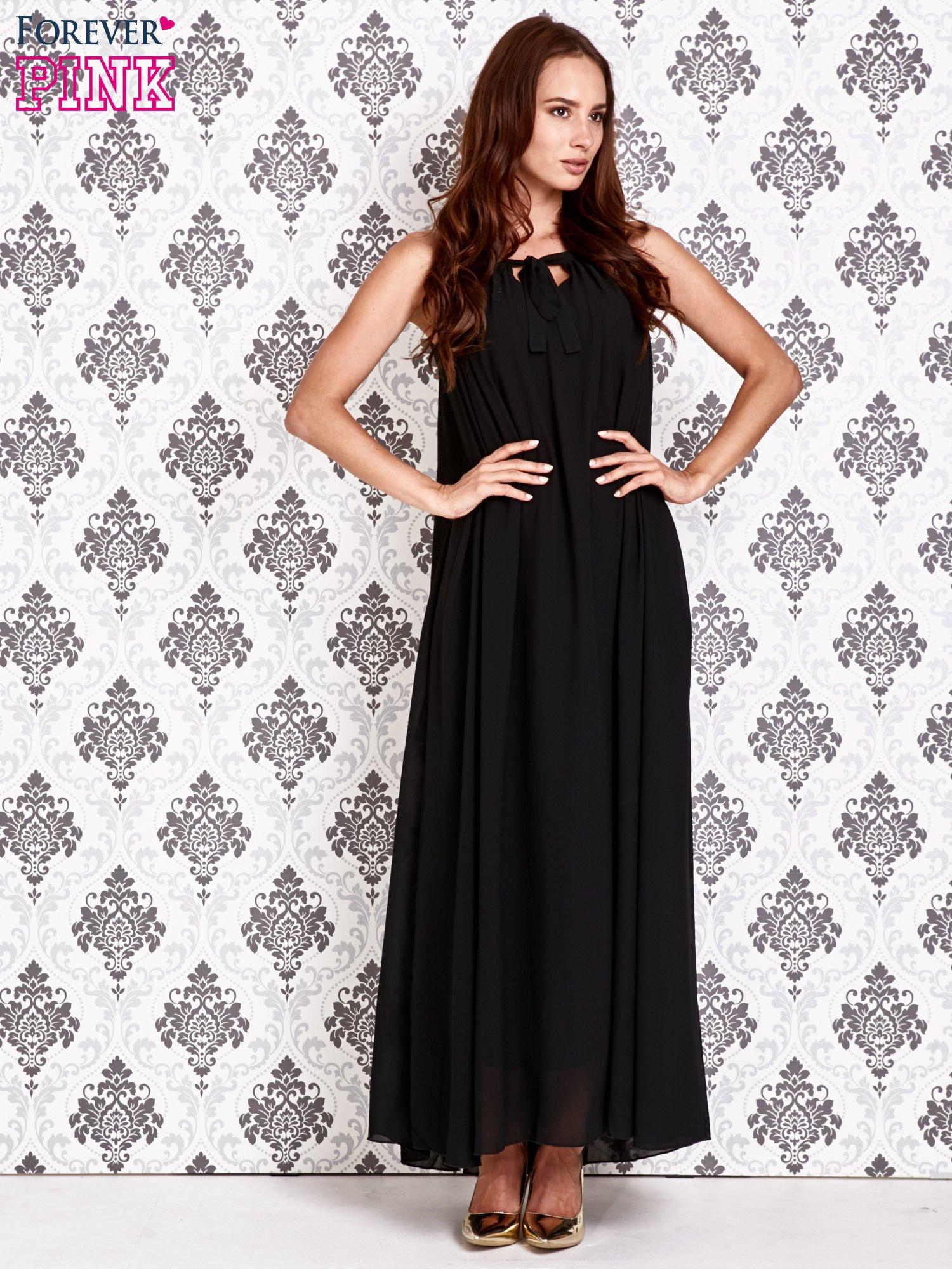 Czarna sukienka maxi z wiązaniem przy dekolcie                                  zdj.                                  2