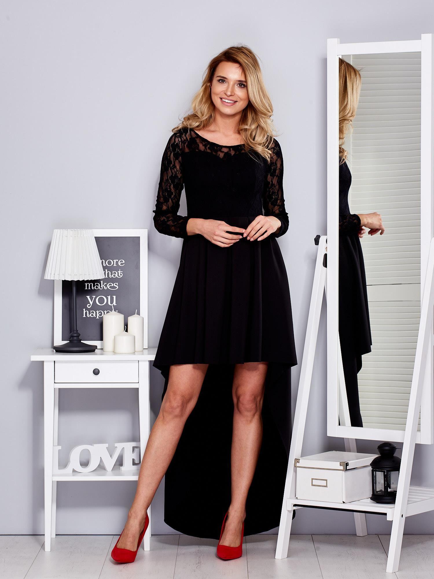 5d8e424b Czarna sukienka z dłuższym tyłem i koronkowym rękawami
