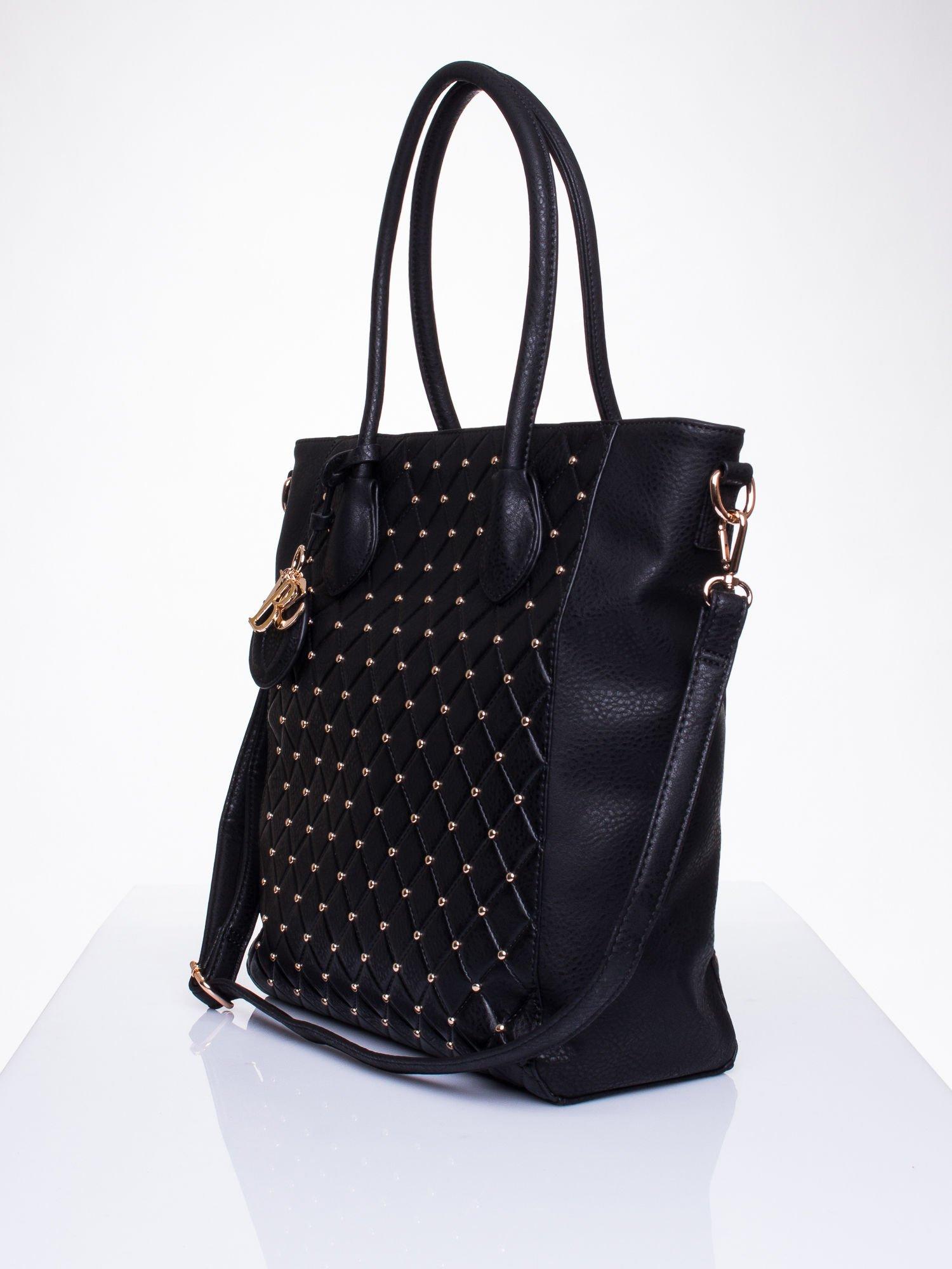 Czarna torebka z pikowaniem i dżetami                                  zdj.                                  3