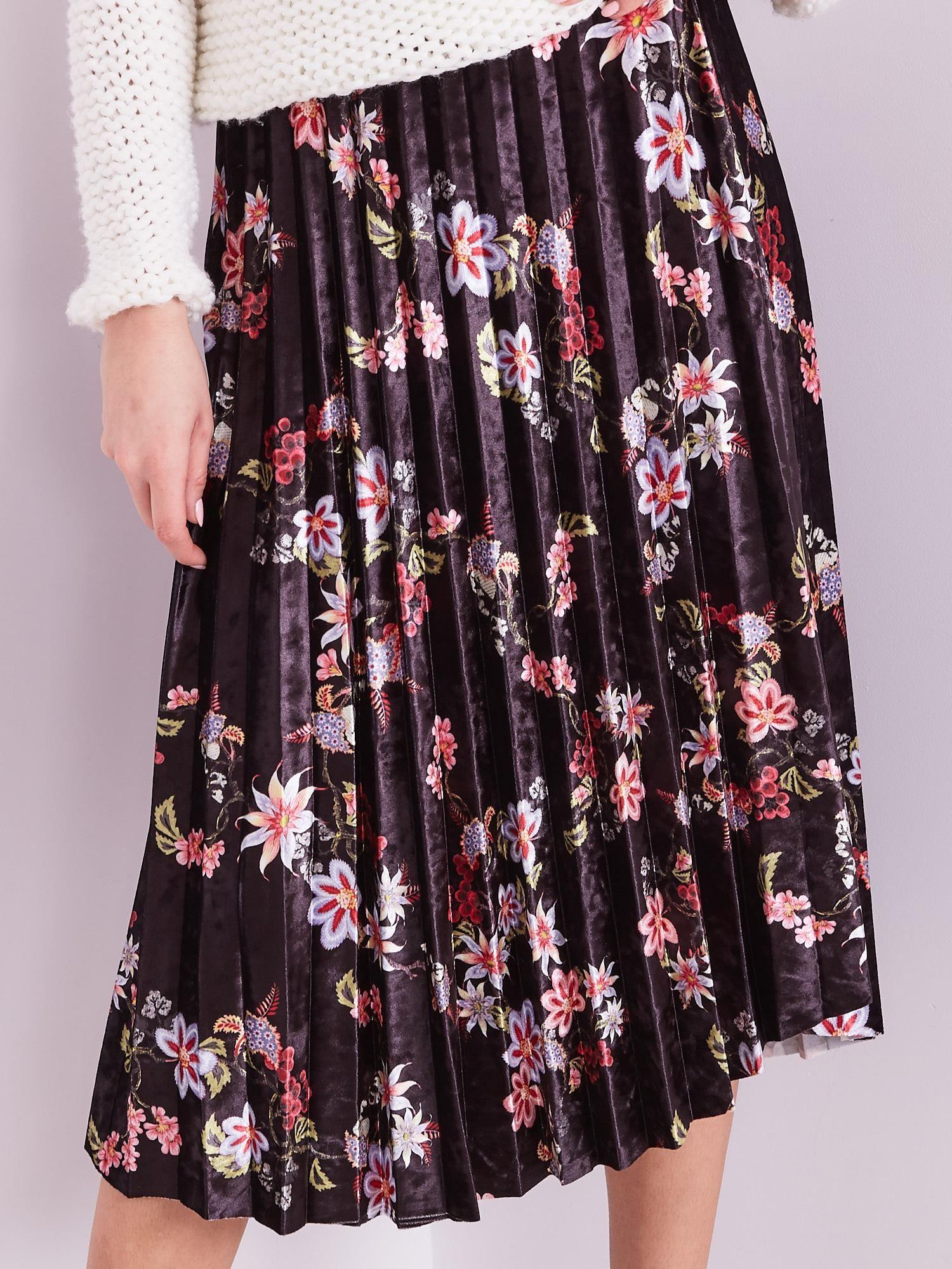 19cf59b5 Czarna welurowa spódnica plisowana w kwiaty