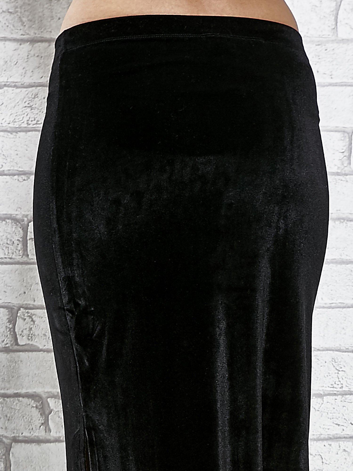 Czarna zamszowa spódnica maxi z rozporkiem                                  zdj.                                  8