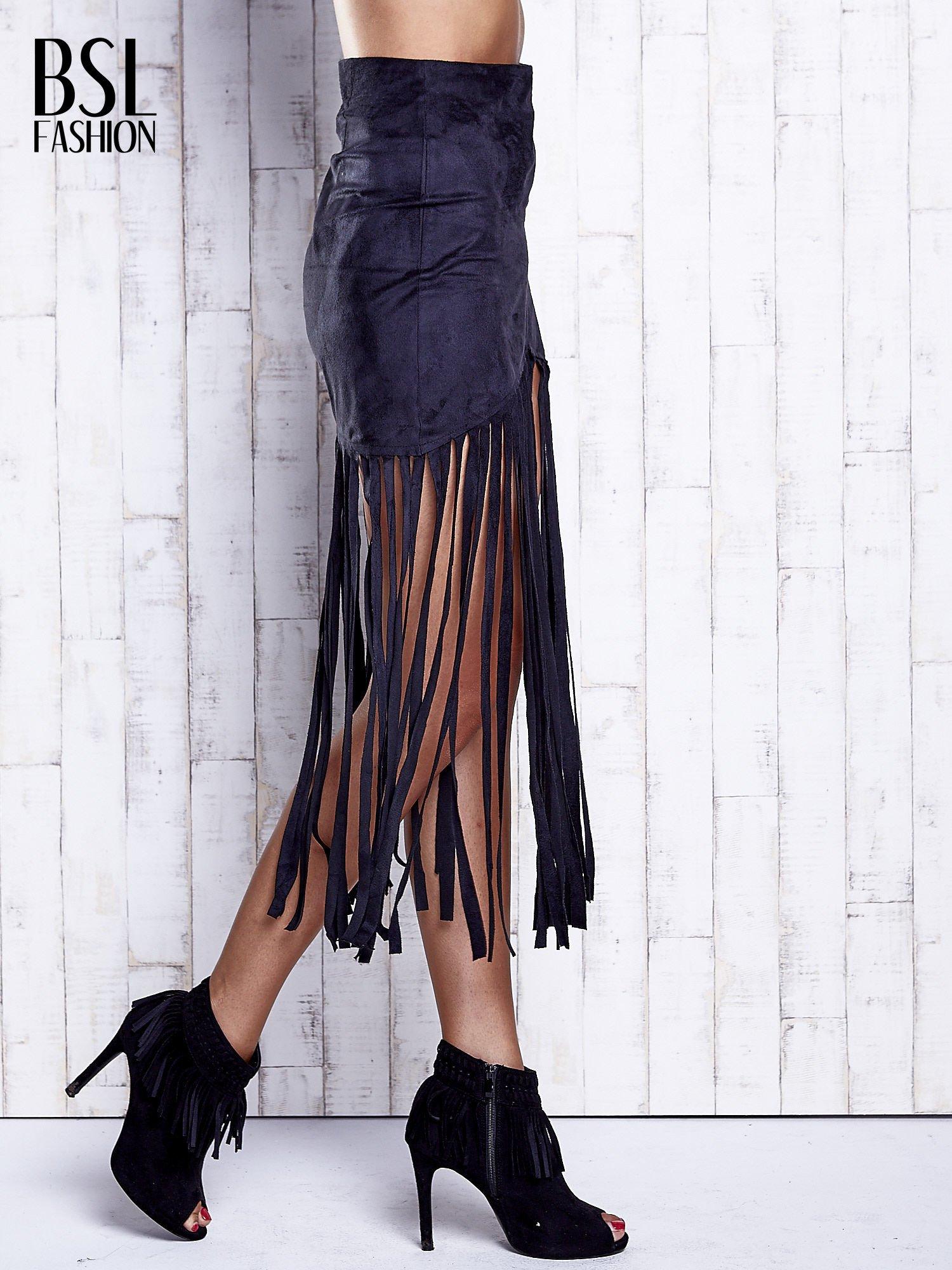 Czarna zamszowa spódnica z frędzlami                                  zdj.                                  3