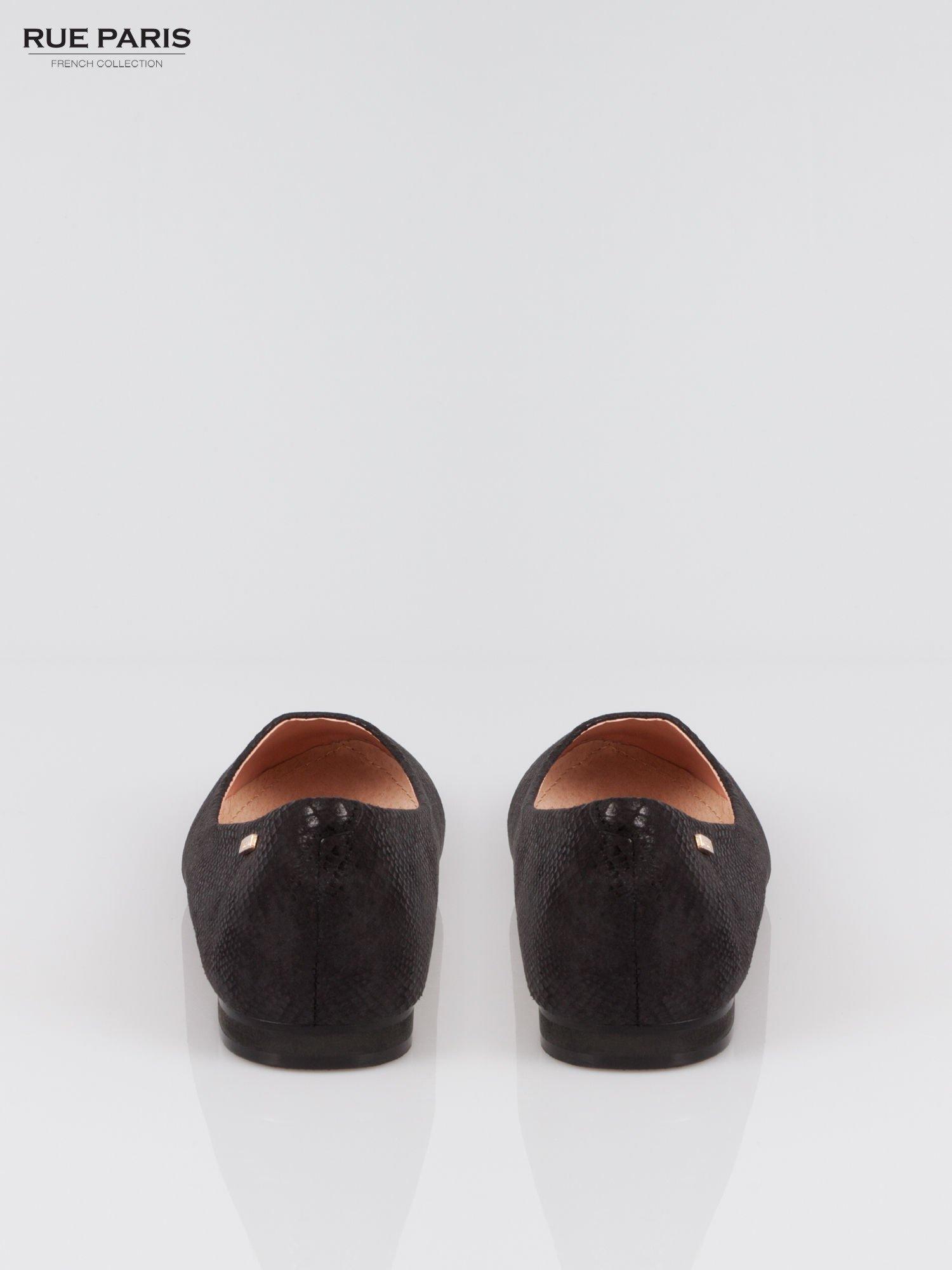 Czarne baleriny faux suede z efektem skóry jaszczurki                                  zdj.                                  3