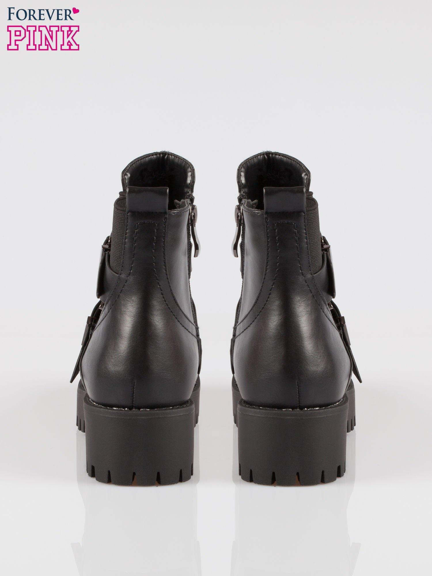 Czarne ciężkie botki martensy z klamrami                                  zdj.                                  3