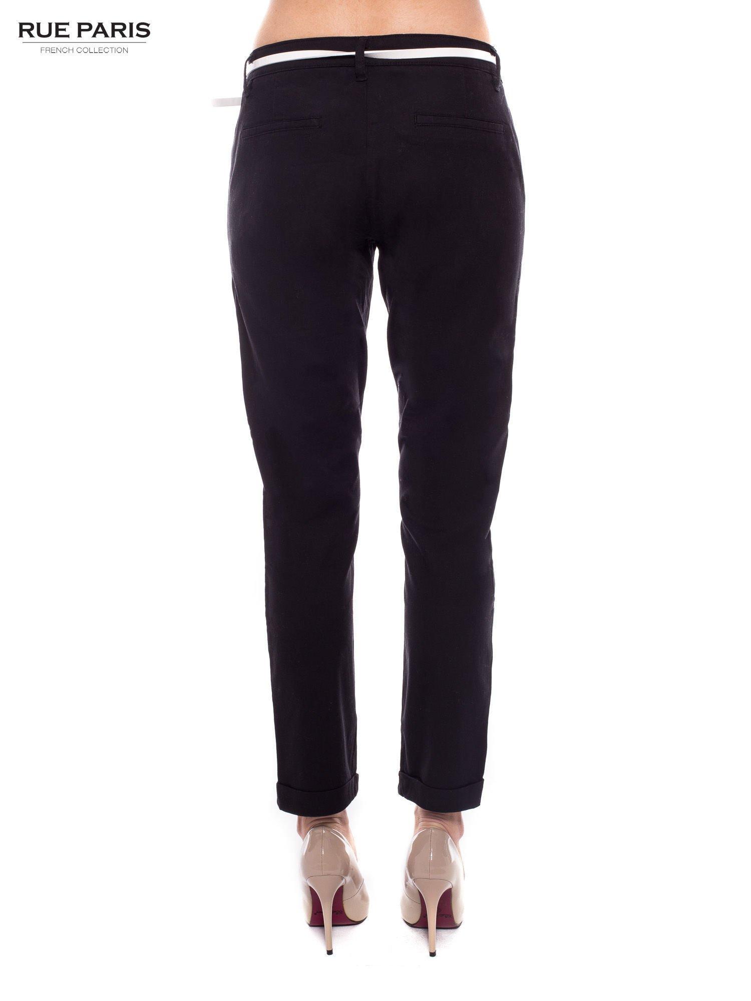 Czarne eleganckie spodnie damskie z paskiem                                  zdj.                                  3