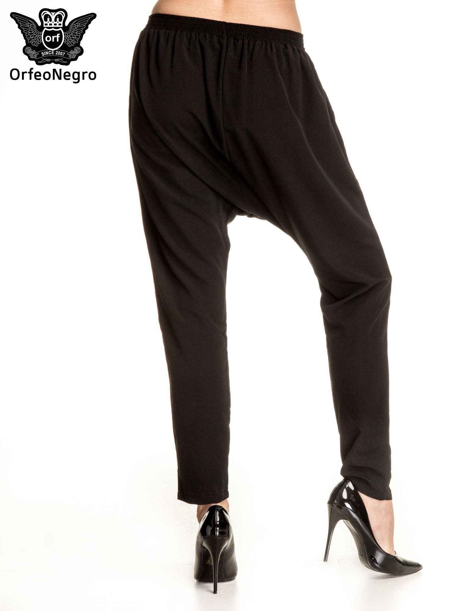 Czarne materiałowe spodnie baggy                                  zdj.                                  5