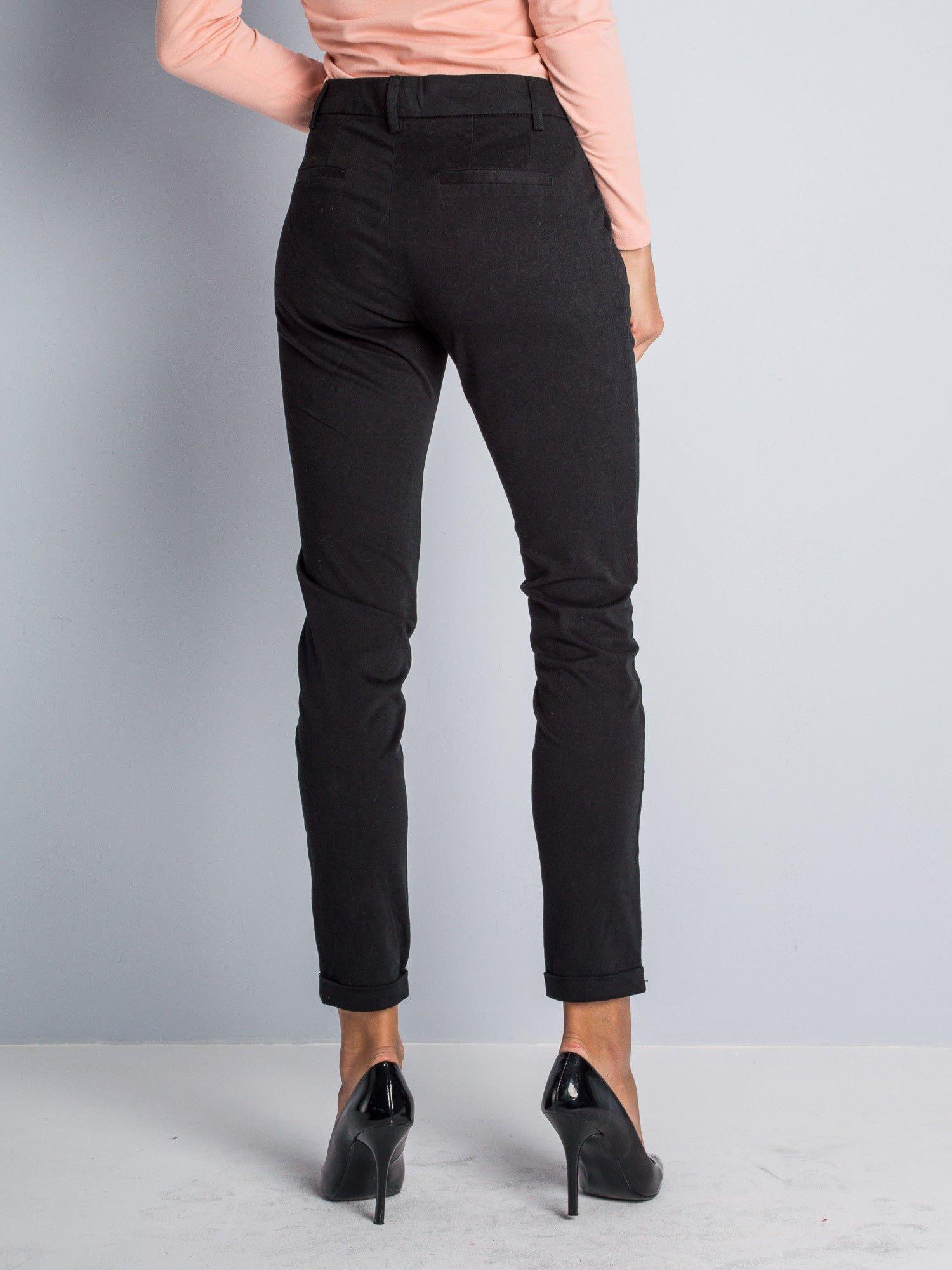 Czarne proste spodnie typu cygaretki 7/8                                  zdj.                                  3