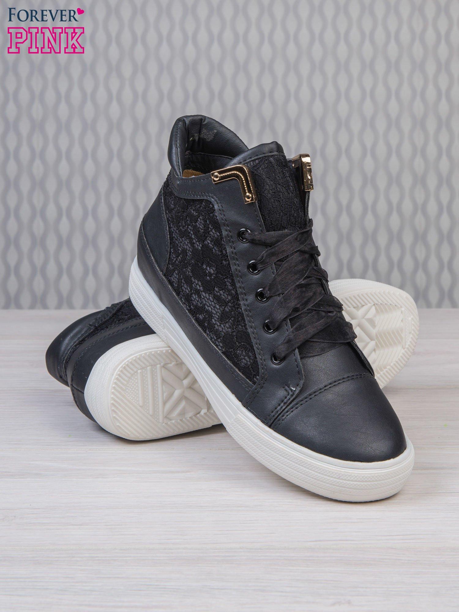 Czarne skórzane sneakersy z koronkowymi wstawkami Lace Dream                                  zdj.                                  4