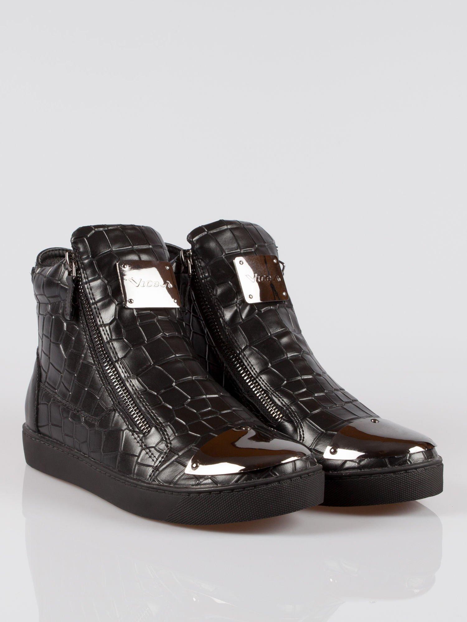 Czarne sneakersy Vanessa tłoczone na wzór skóry krokodyla                                  zdj.                                  2