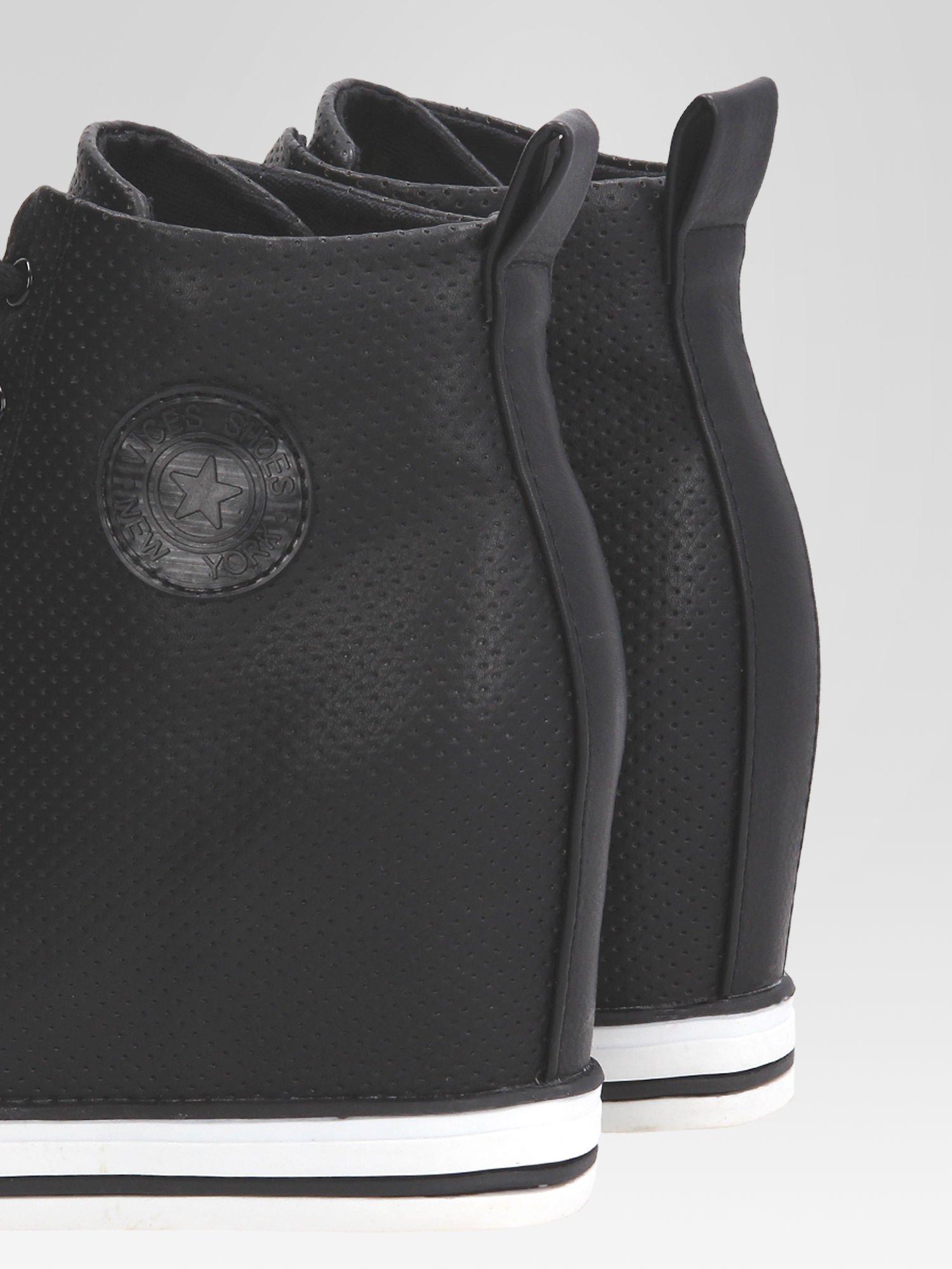 Czarne sneakersy damskie z siateczką                                  zdj.                                  7