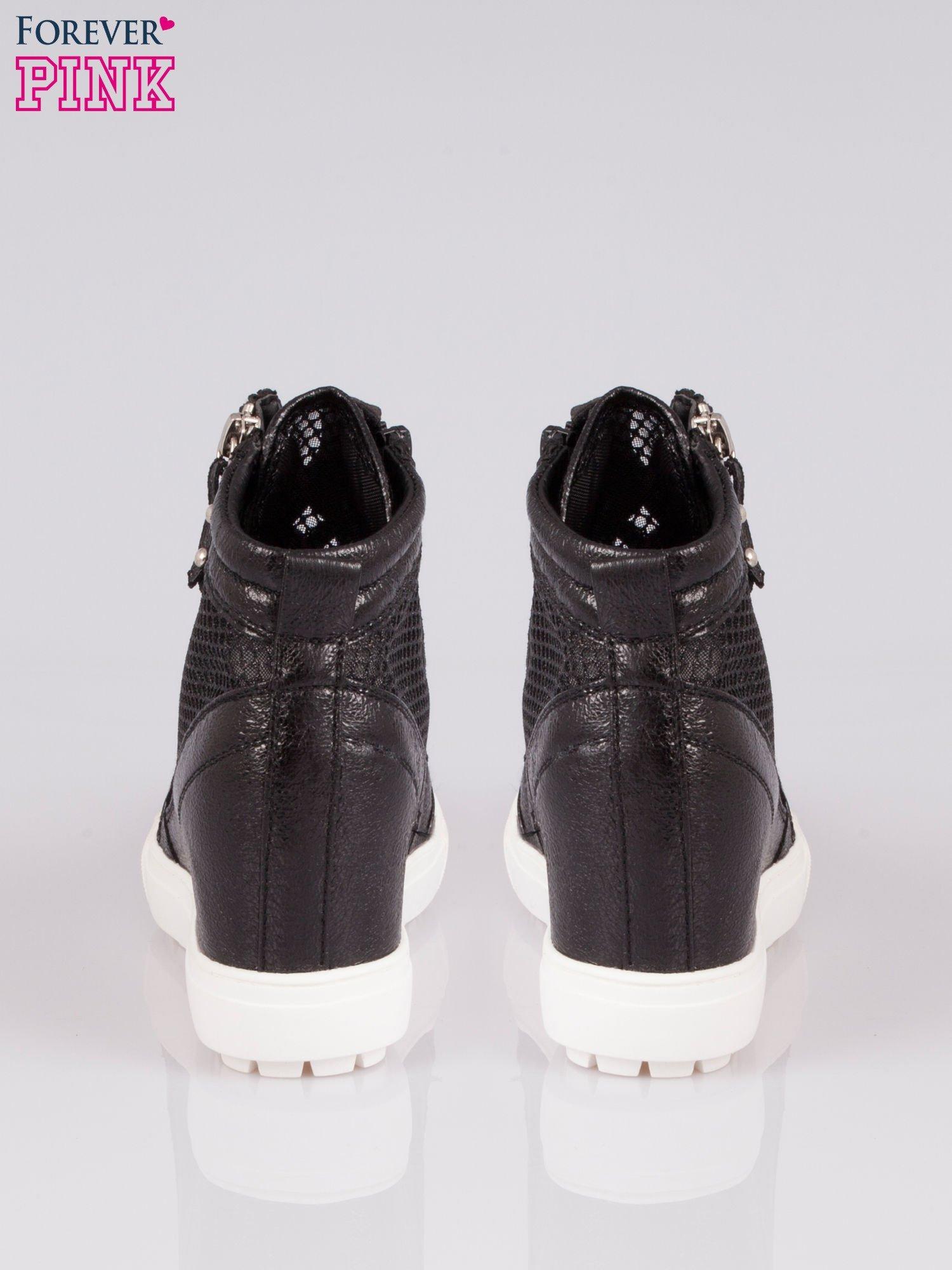 Czarne sneakersy damskie z wężową siateczką Martina                                  zdj.                                  3