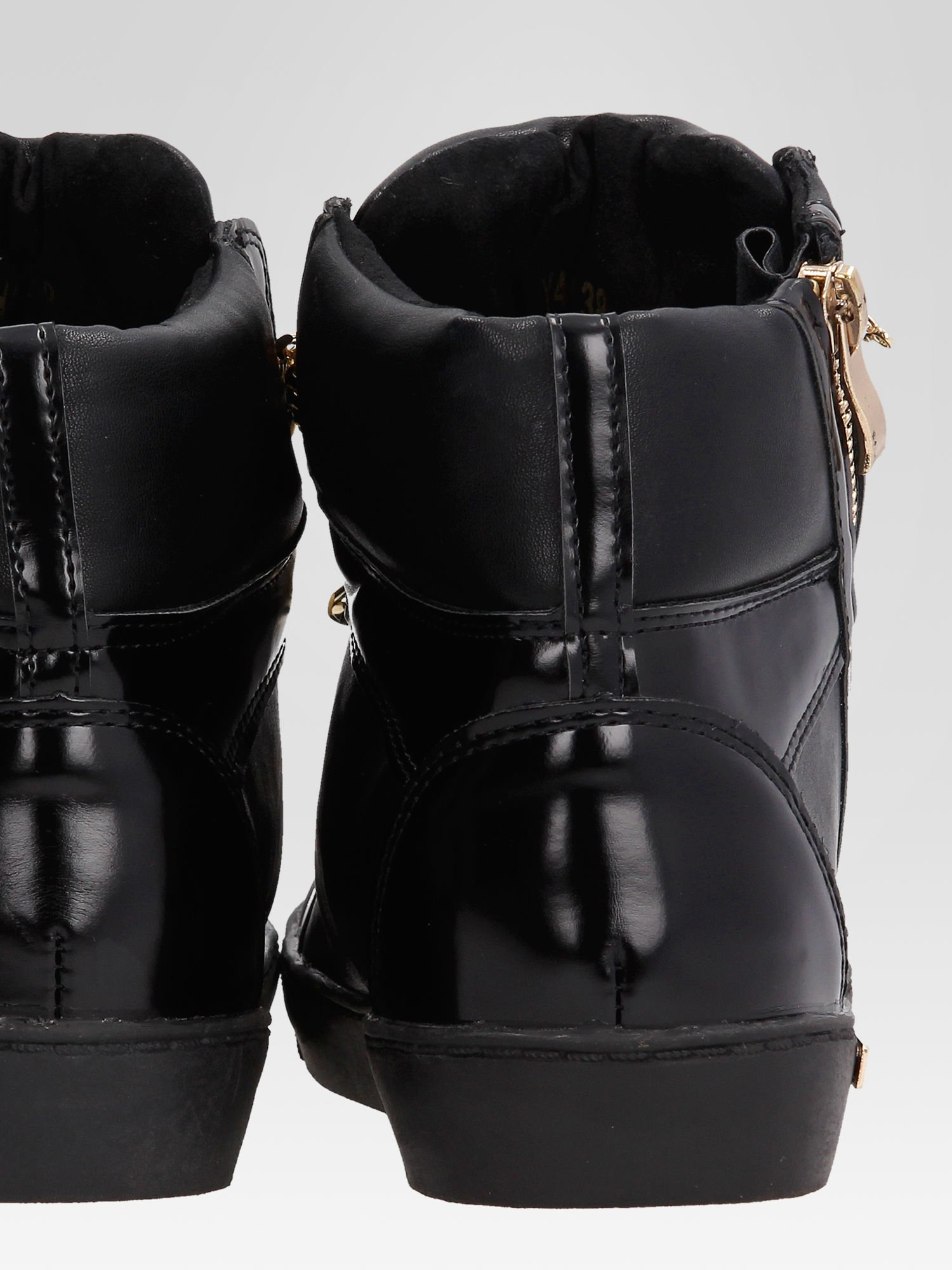 Czarne sneakersy damskie ze złotym łańcuszkiem                                  zdj.                                  8