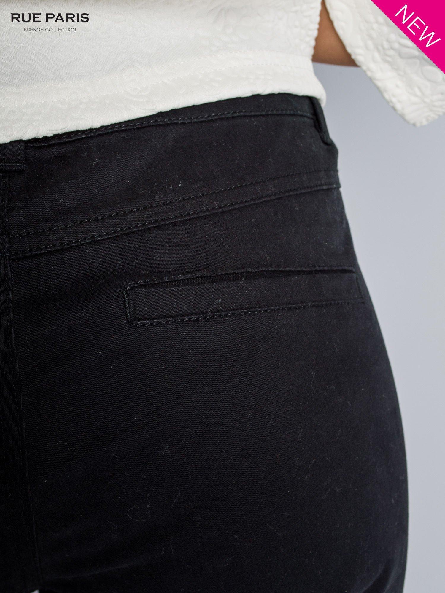 Czarne spodnie materiałowe w stylu chinos                                  zdj.                                  5