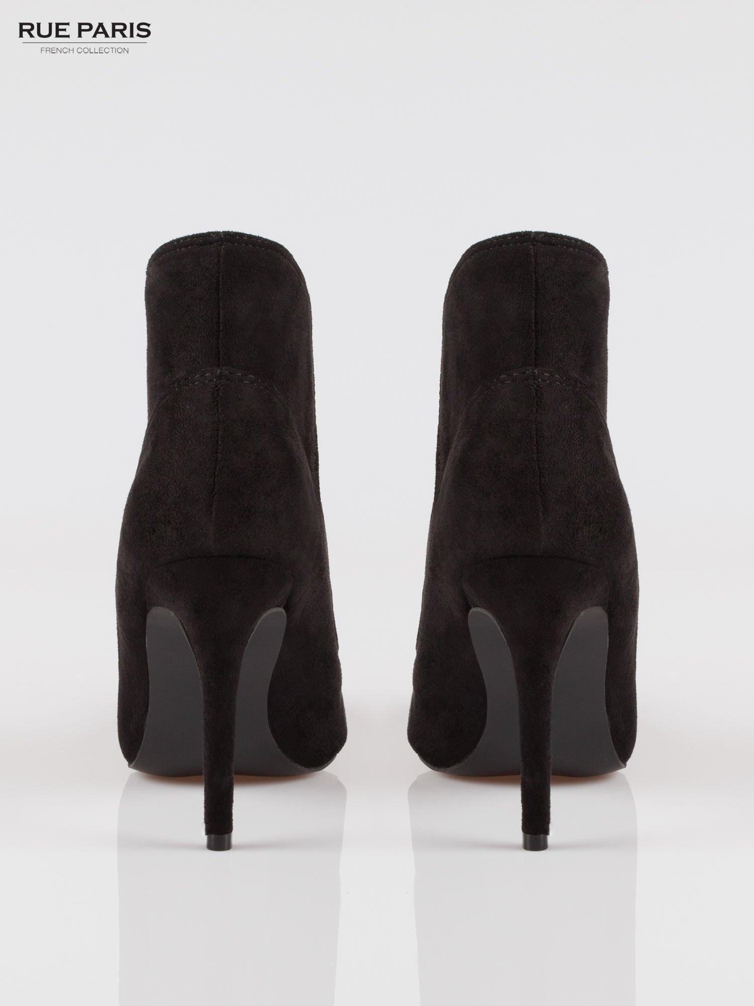Czarne zamszowe botki na szpilce z noskiem w szpic                                  zdj.                                  3