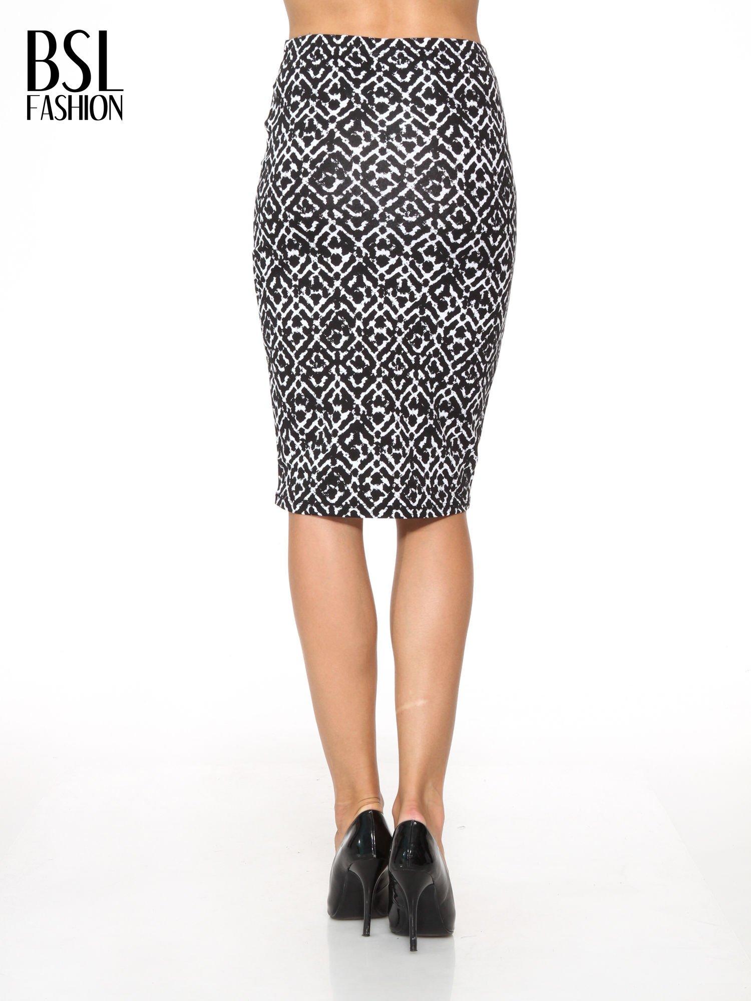 Czarno-biała wzorzysta spódnica ołówkowa                                  zdj.                                  4