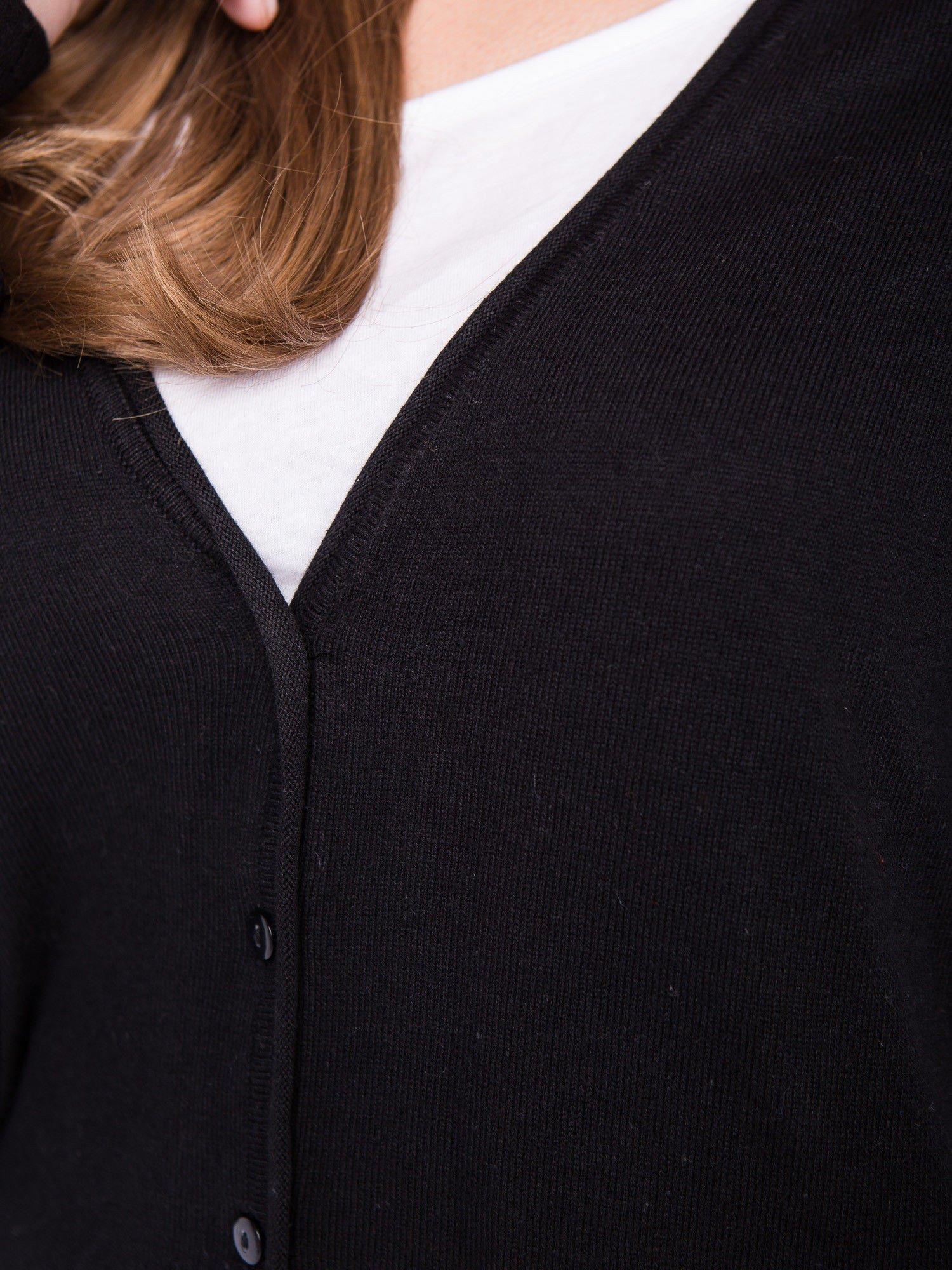 Czarny rozpinany kadrigan z bawełny z dekoltem w serek                                  zdj.                                  5