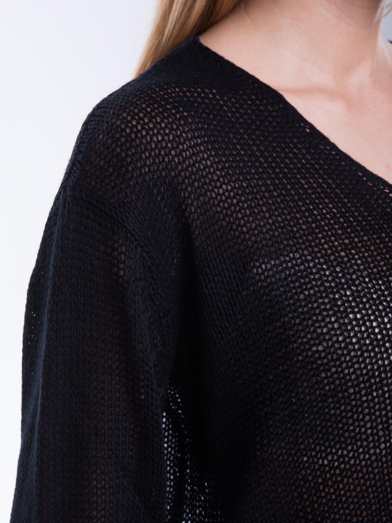 Czarny siatkowy sweter typu crop top                                  zdj.                                  7