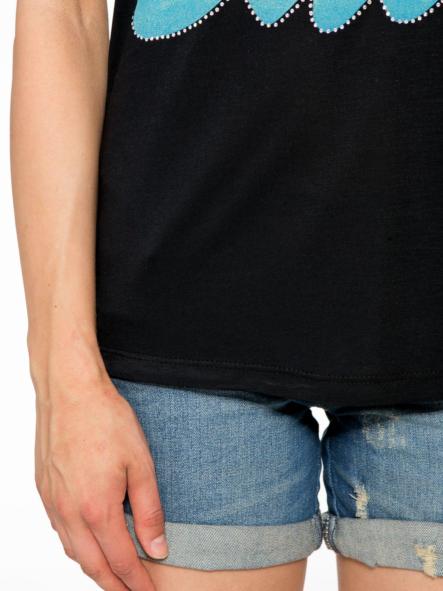 Czarny t-shirt z kolorowym nadrukiem I'M NOT YOUR BABE                                  zdj.                                  6