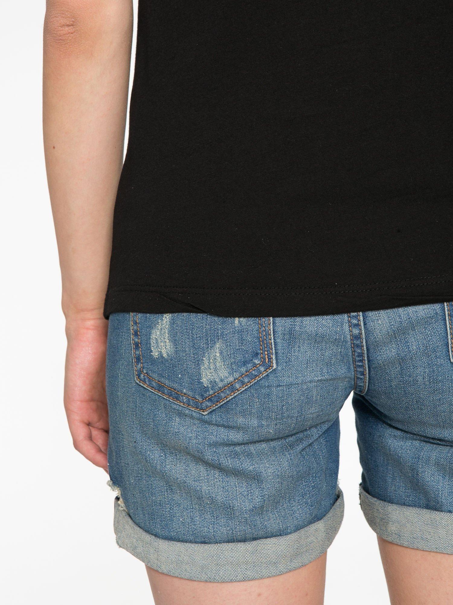 Czarny t-shirt z nadrukiem szczeniąt                                  zdj.                                  12