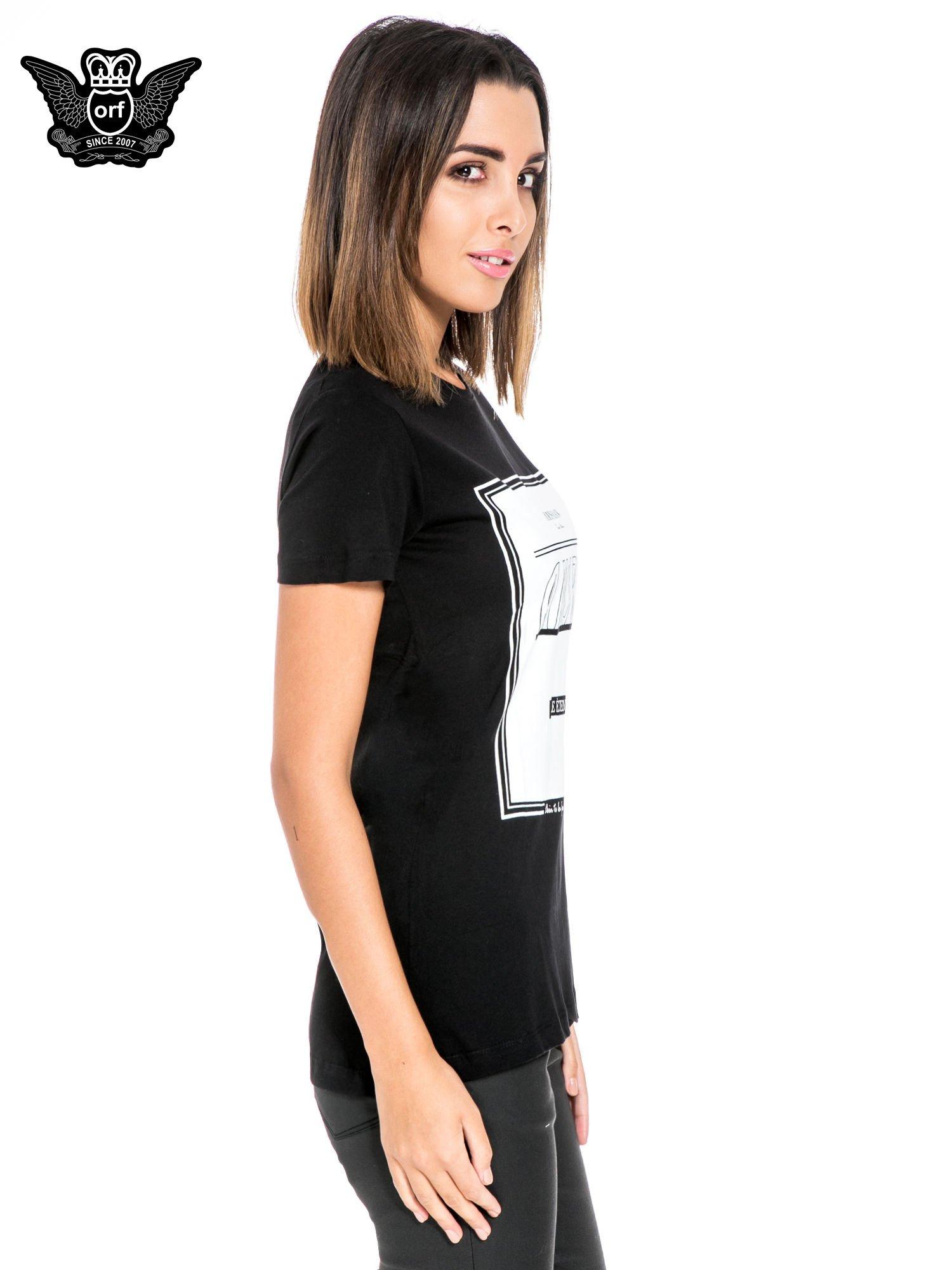 Czarny t-shirt z napisem AMORE                                  zdj.                                  3