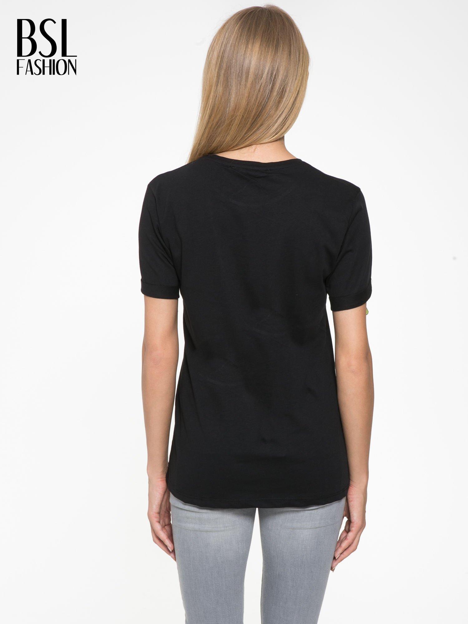 Czarny t-shirt z napisem AMOUR RÉVOLUTION                                  zdj.                                  4