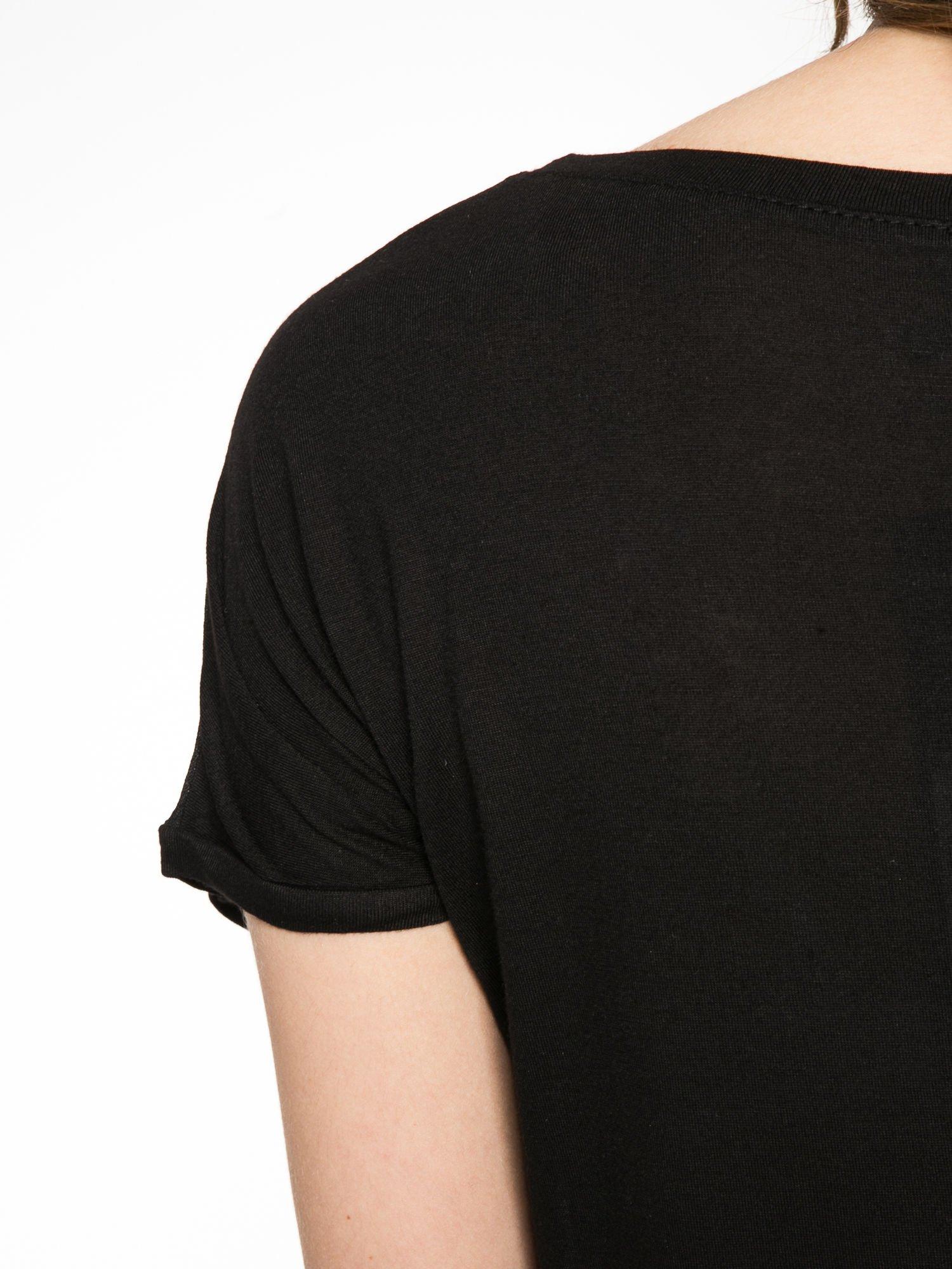 Czarny t-shirt z napisem NO MORE PARTY WITHOUT ME                                  zdj.                                  10
