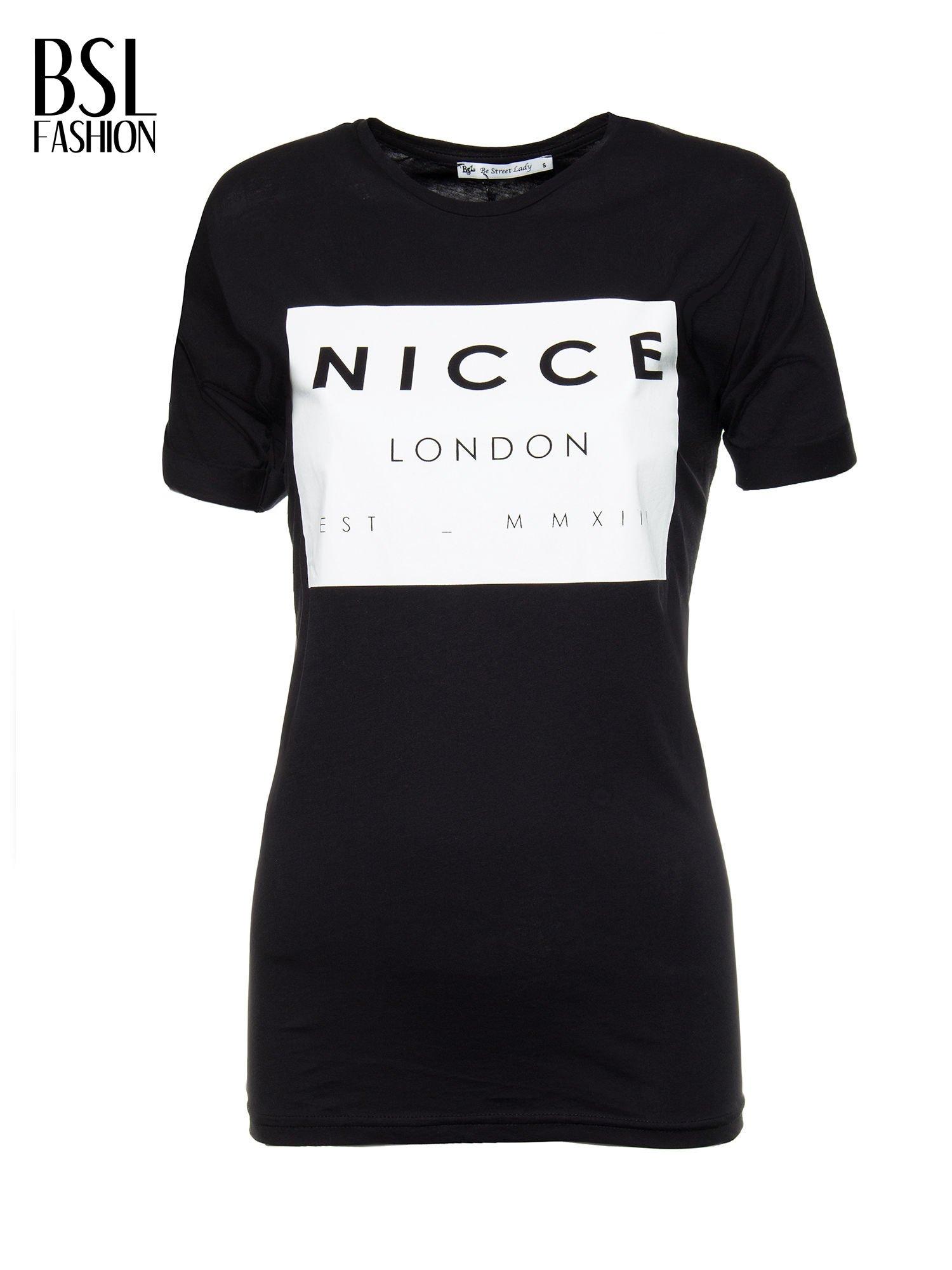 Czarny t-shirt z napisem w minimalistycznym stylu NICCE LONDON                                  zdj.                                  2